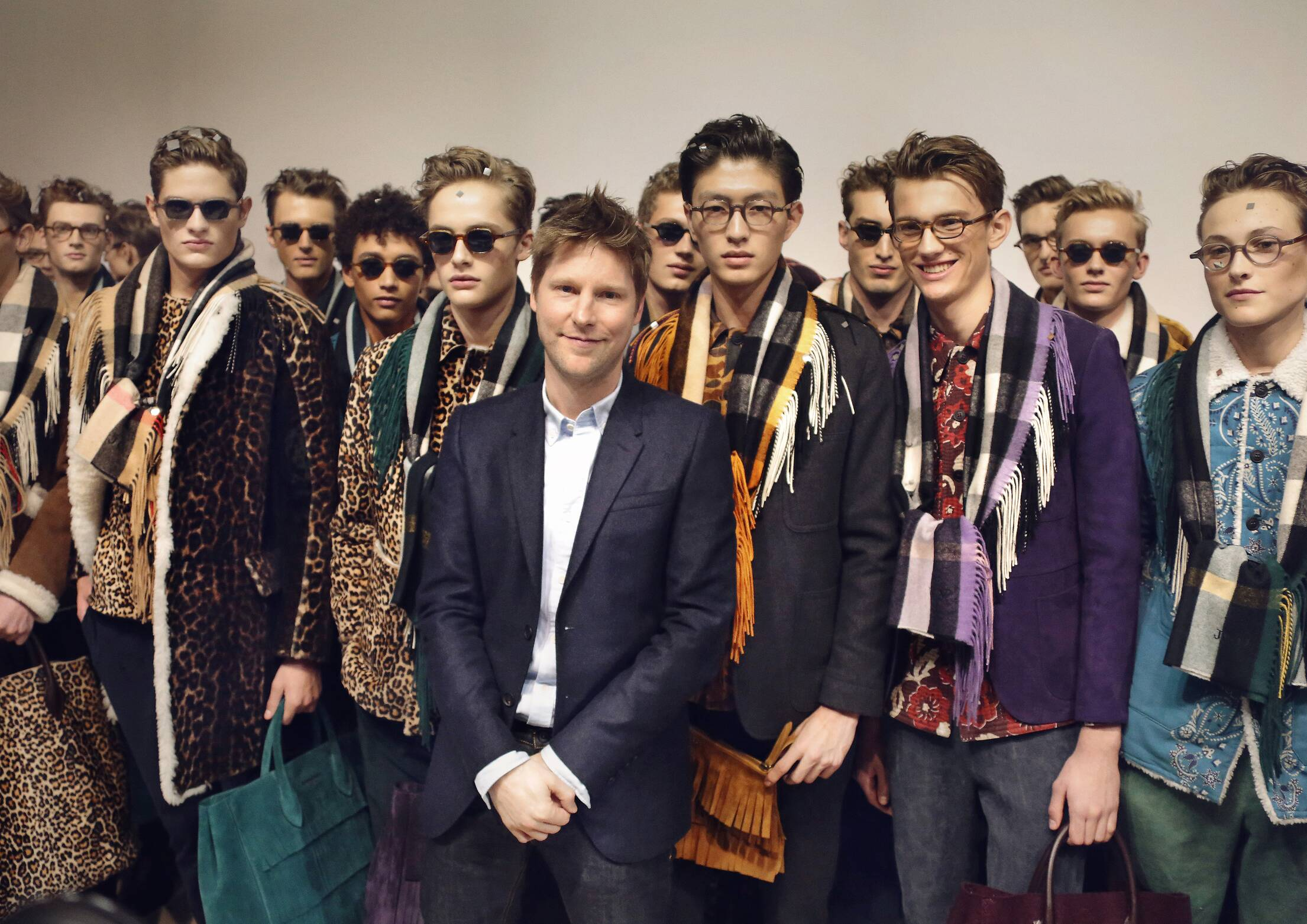 Backstage Burberry 2015