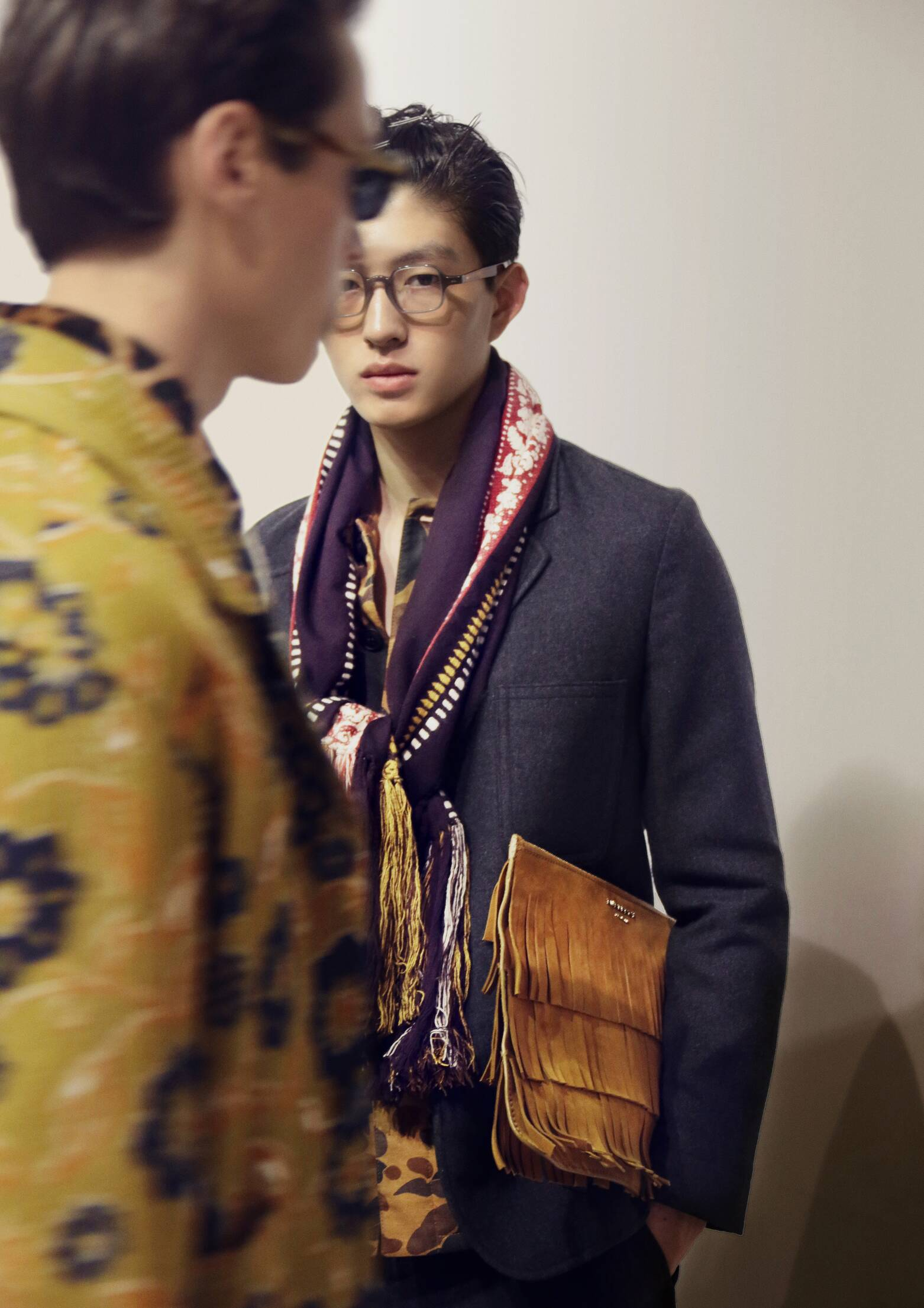 Backstage Burberry Prorsum Model