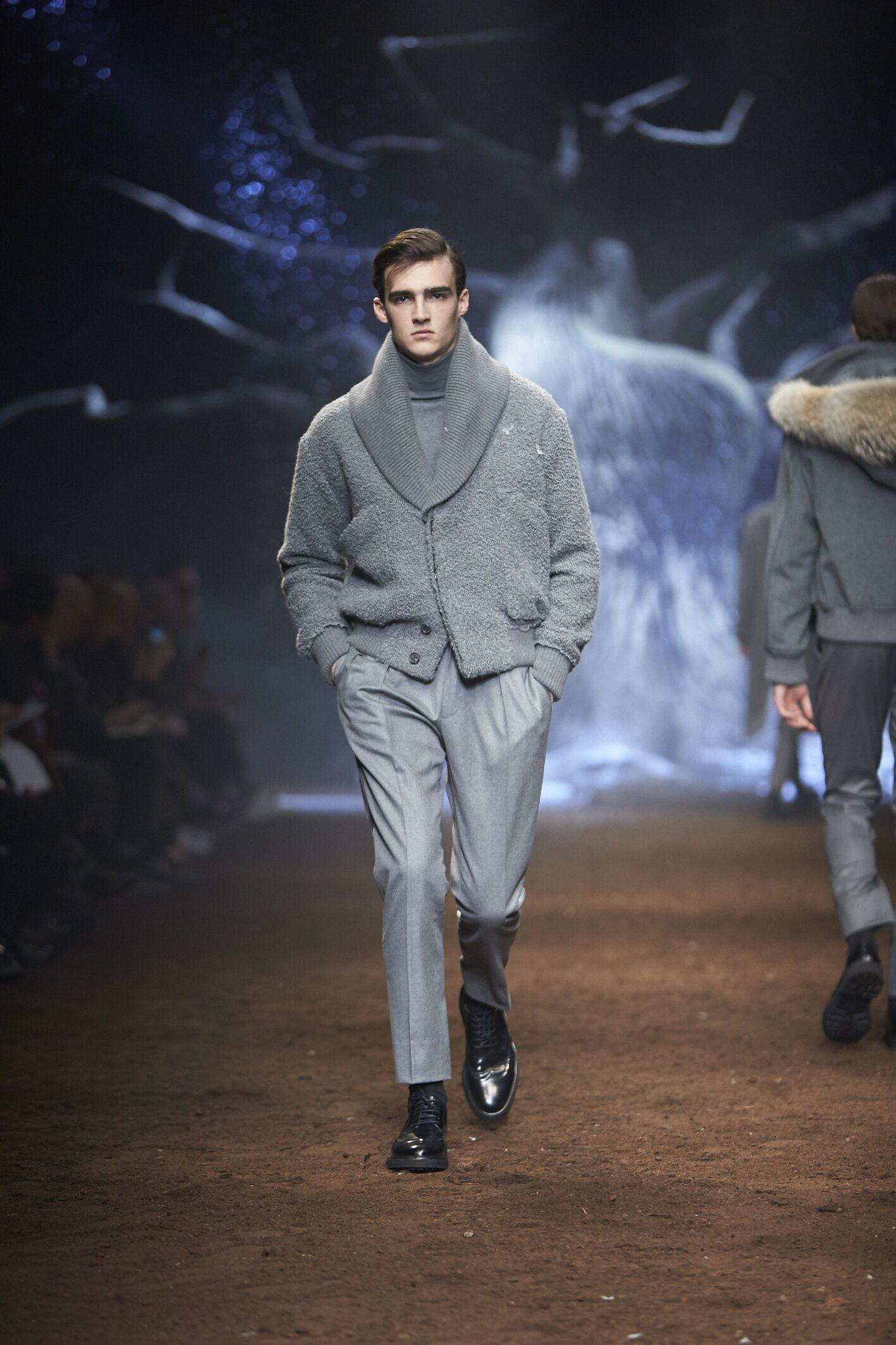 Catwalk Corneliani Fall Winter 2015 16 Men's Collection Milano Fashion Week