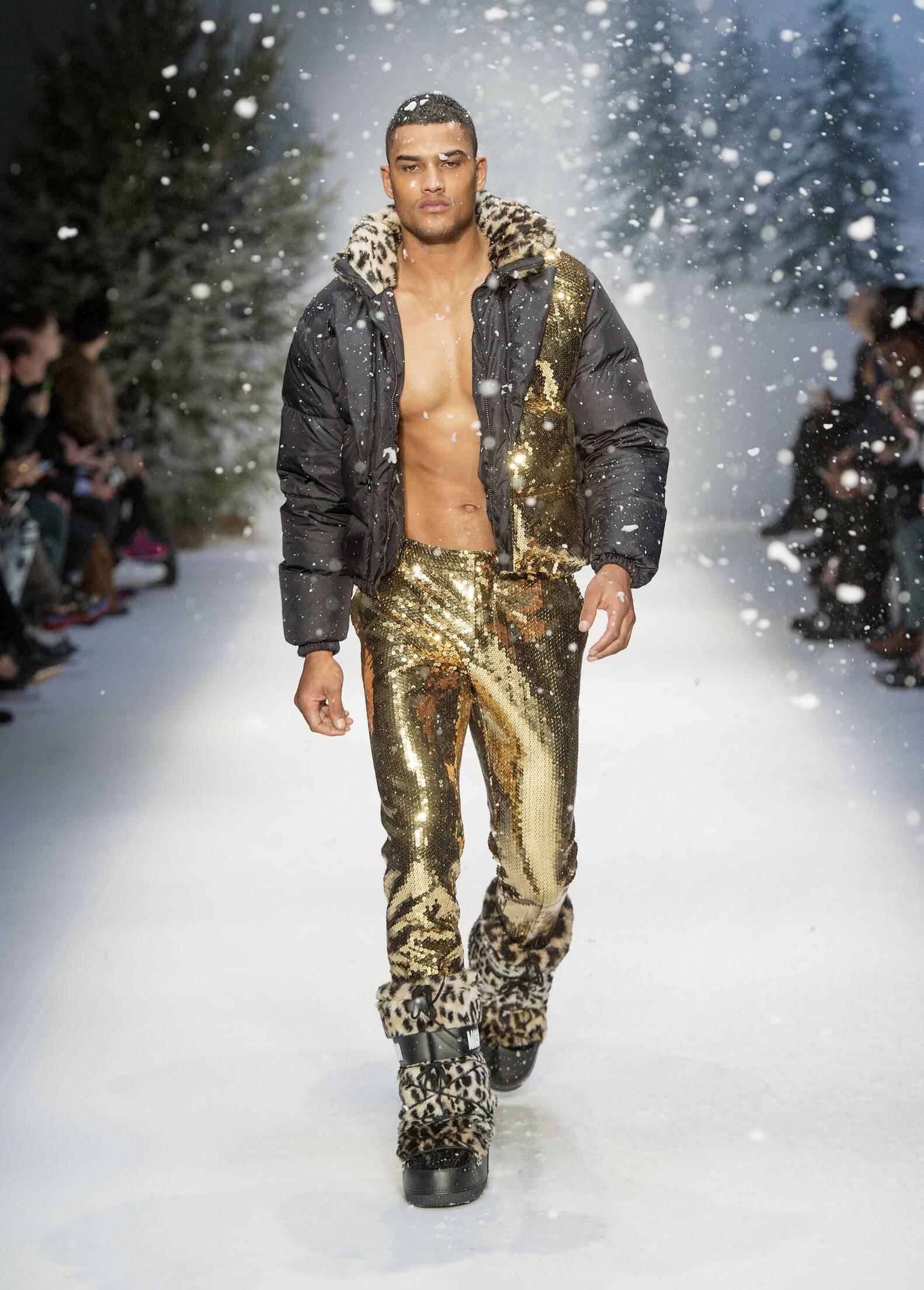 Catwalk Moschino Fw 2015 16 Menswear