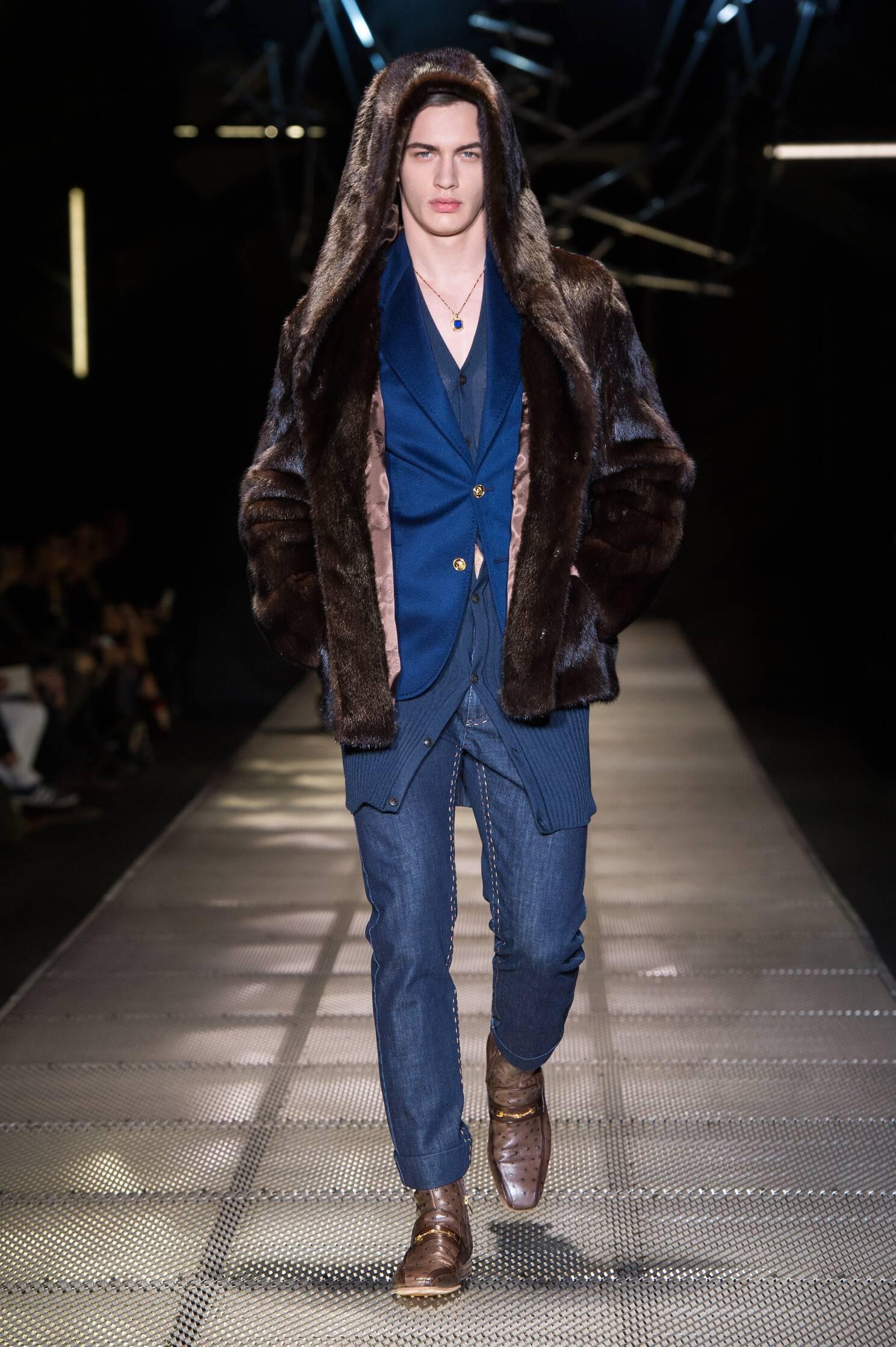 Catwalk Versace Fall Winter 2015 16 Men's Collection Milano Fashion Week