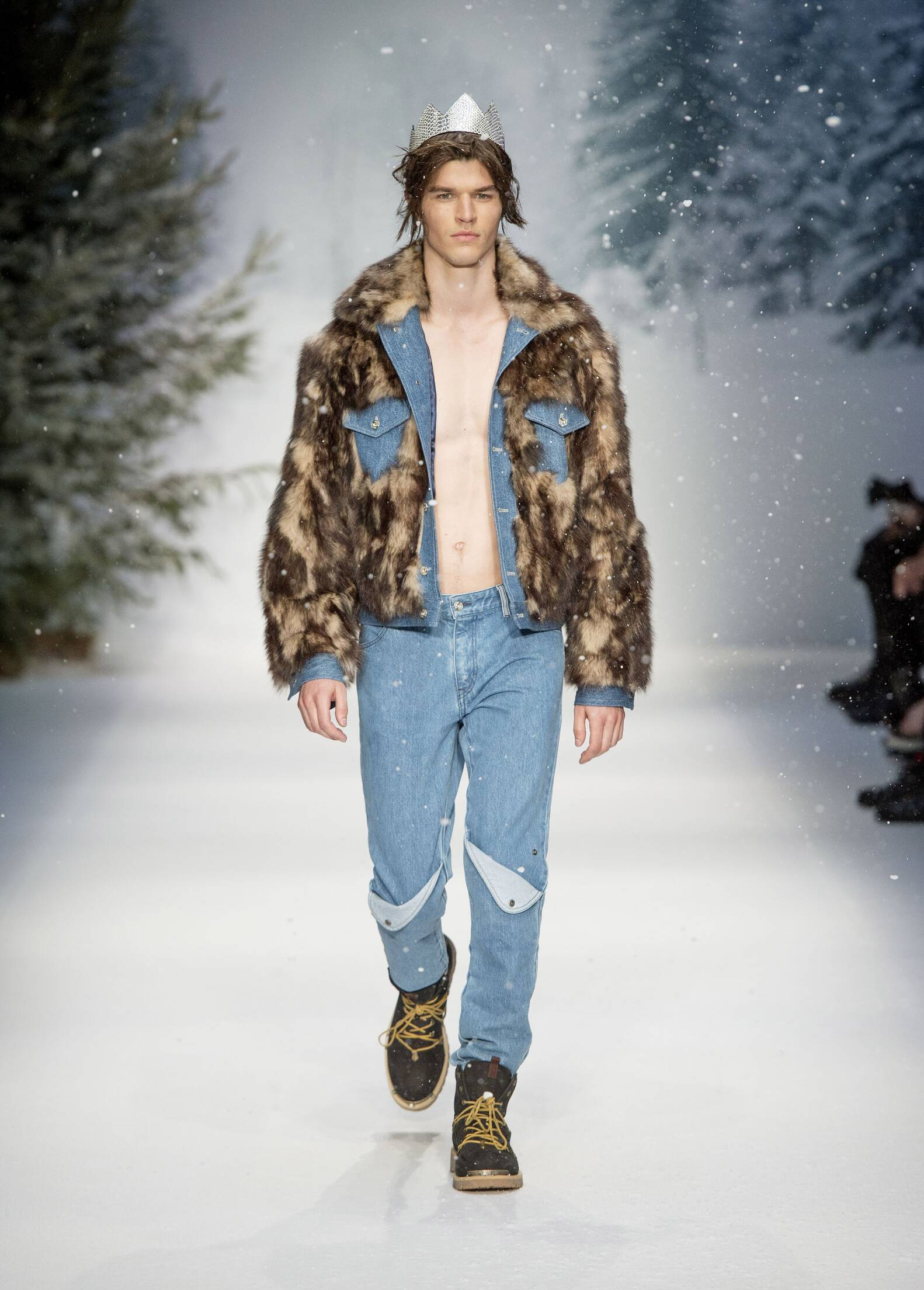 Fall 2015 Fashion Trends Moschino