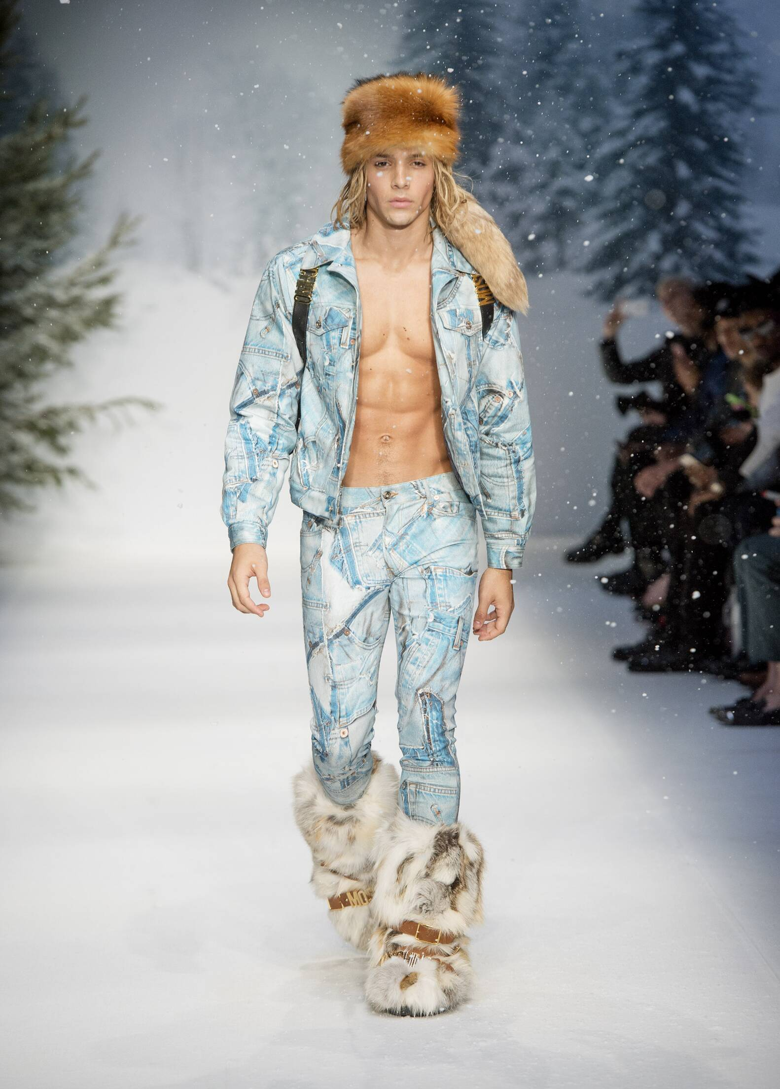 Fall 2015 Man Fashion Show Moschino