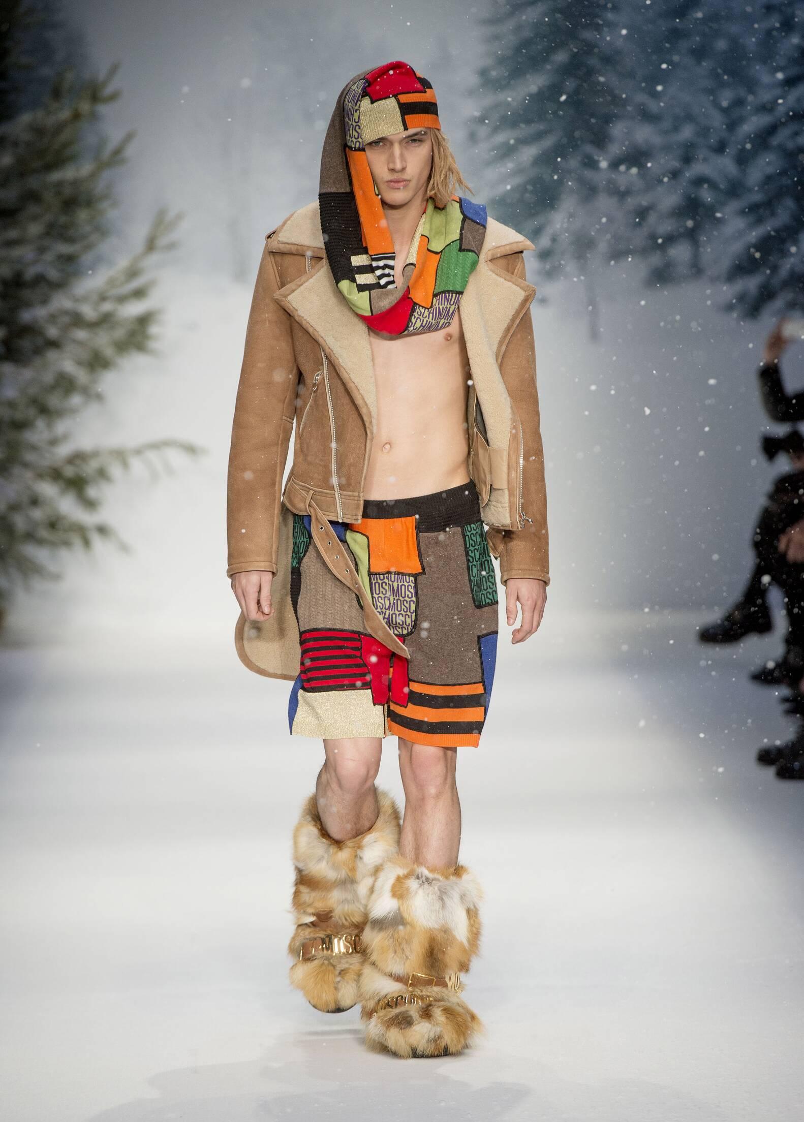 Fall Winter 2015 Fashion Model Moschino