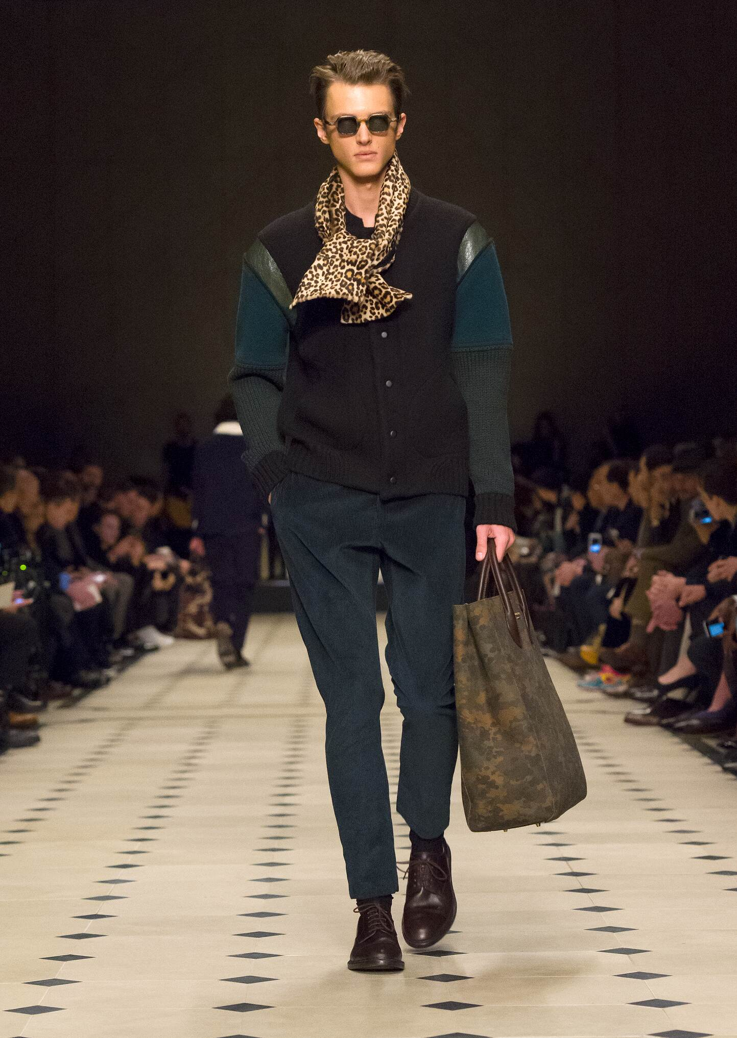 Fall Winter 2015 Man London Burberry Prorsum Collection