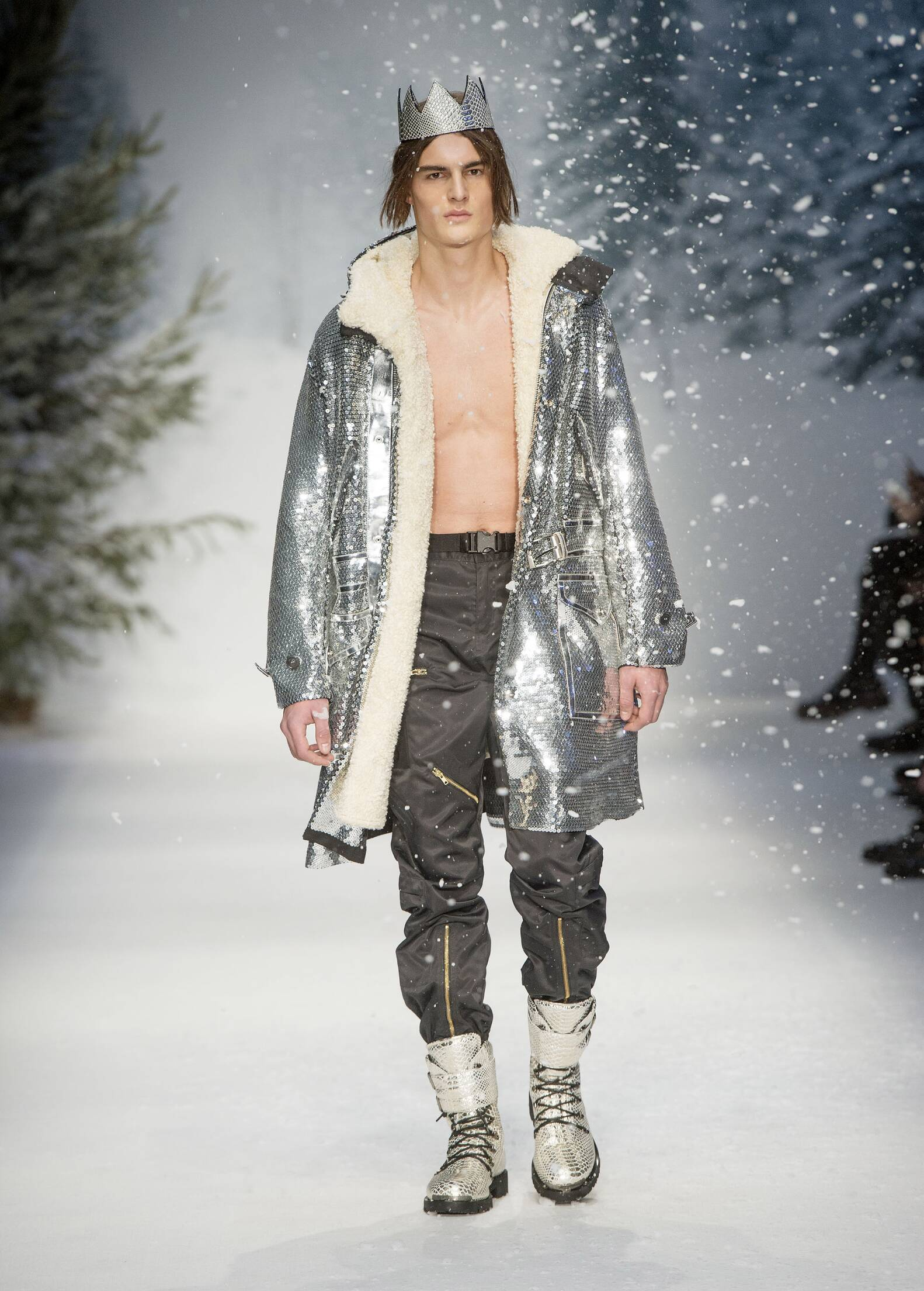 Fall Winter 2015 Man London Moschino Collection London