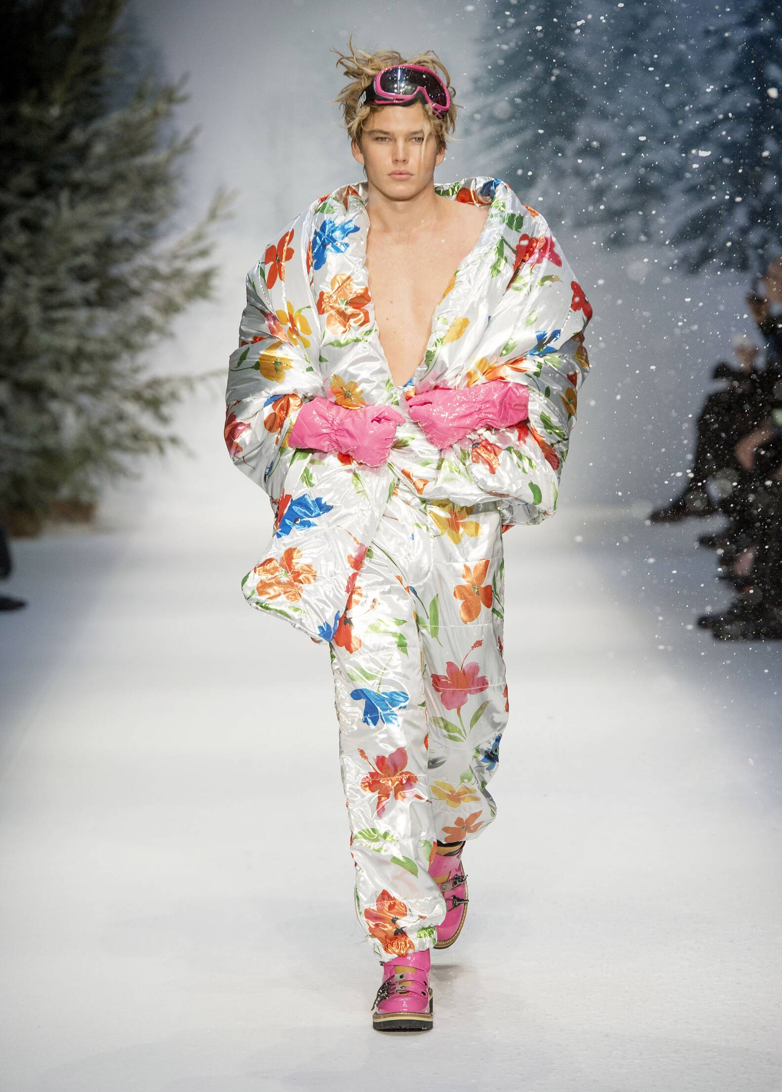 Fall Winter 2015 Man London Moschino Collection