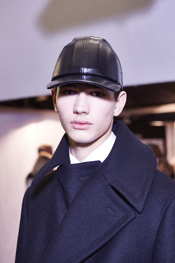 Model Ermenegildo Zegna Couture Backstage
