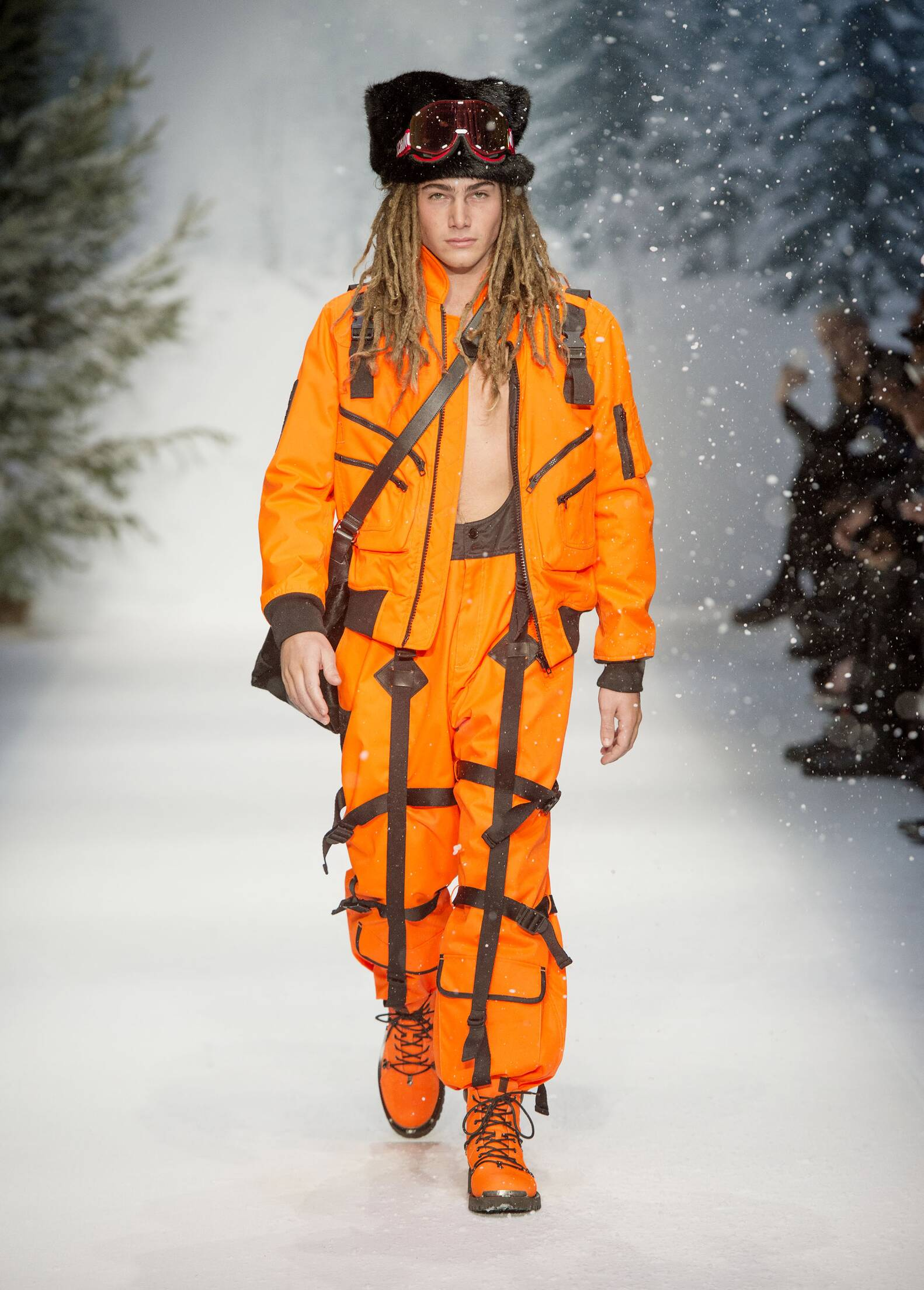 Moschino Winter 2015 Catwalk