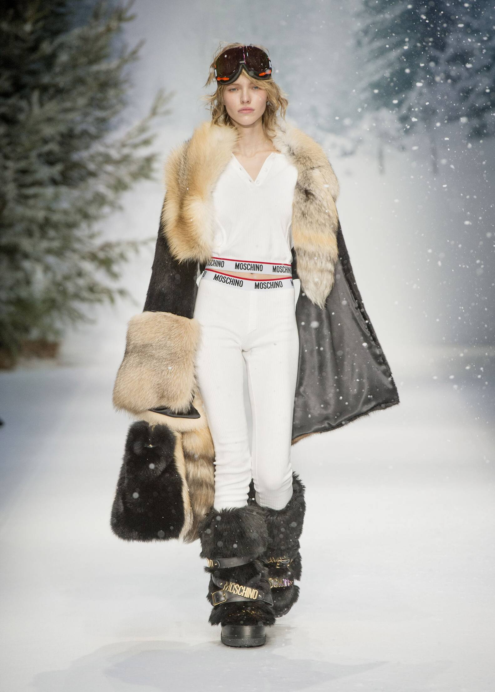 Moschino Woman Style 2016