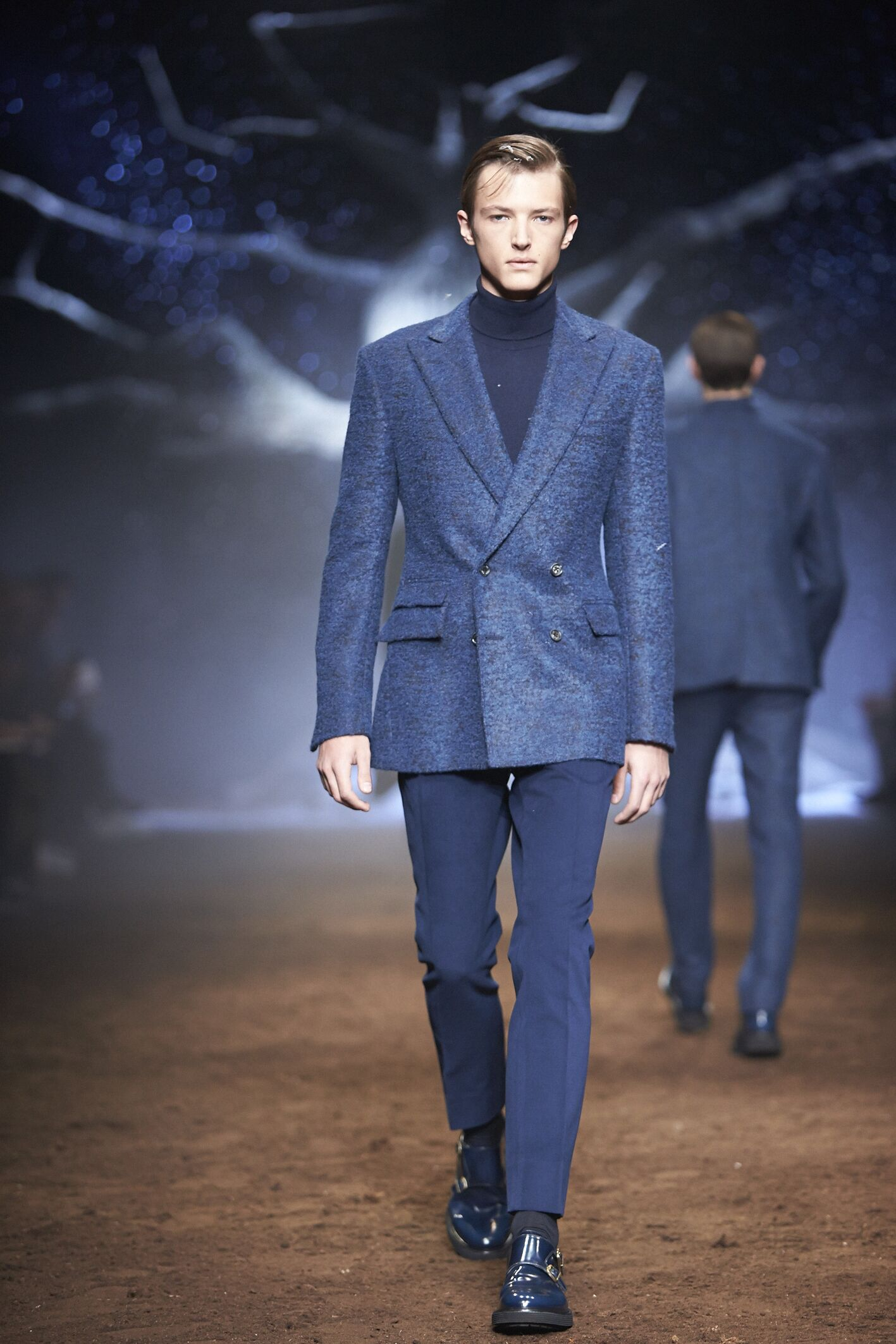 Runway Corneliani Fall Winter 2015 16 Men's Collection Milan Fashion Week