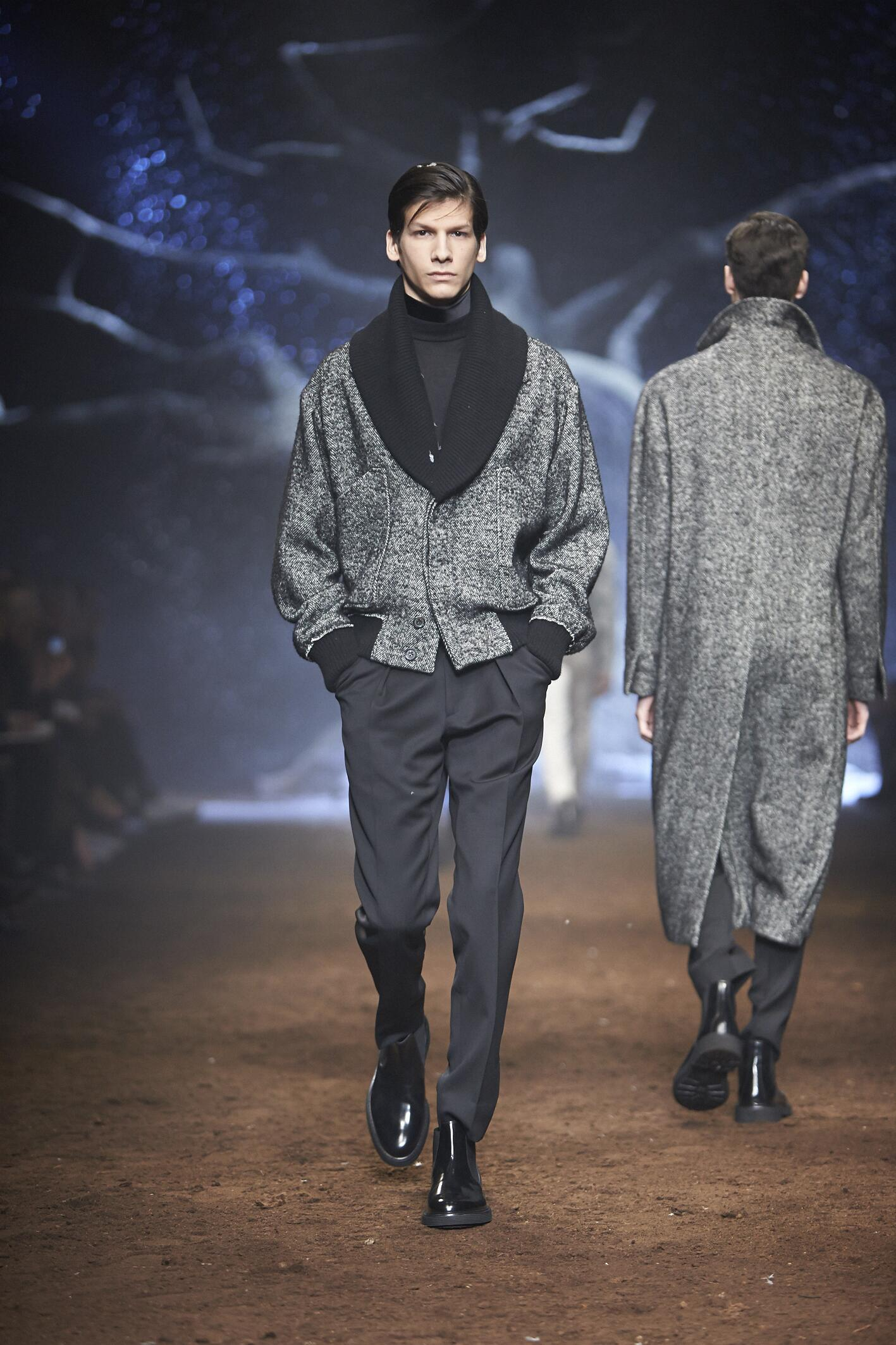 Runway Corneliani Fall Winter 2015 16 Men's Collection Milano Fashion Week