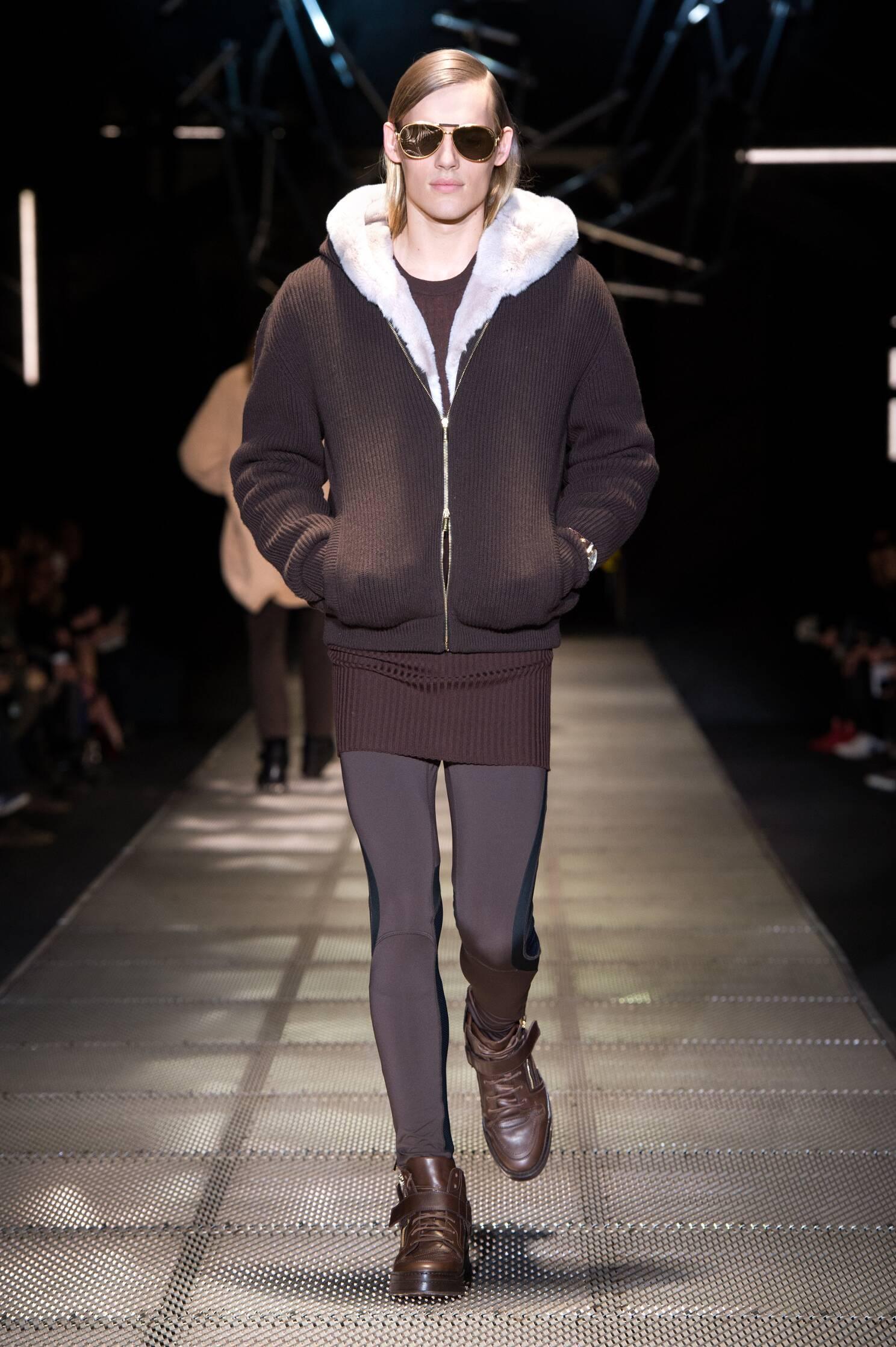 Runway Versace Fashion Show Winter 2015