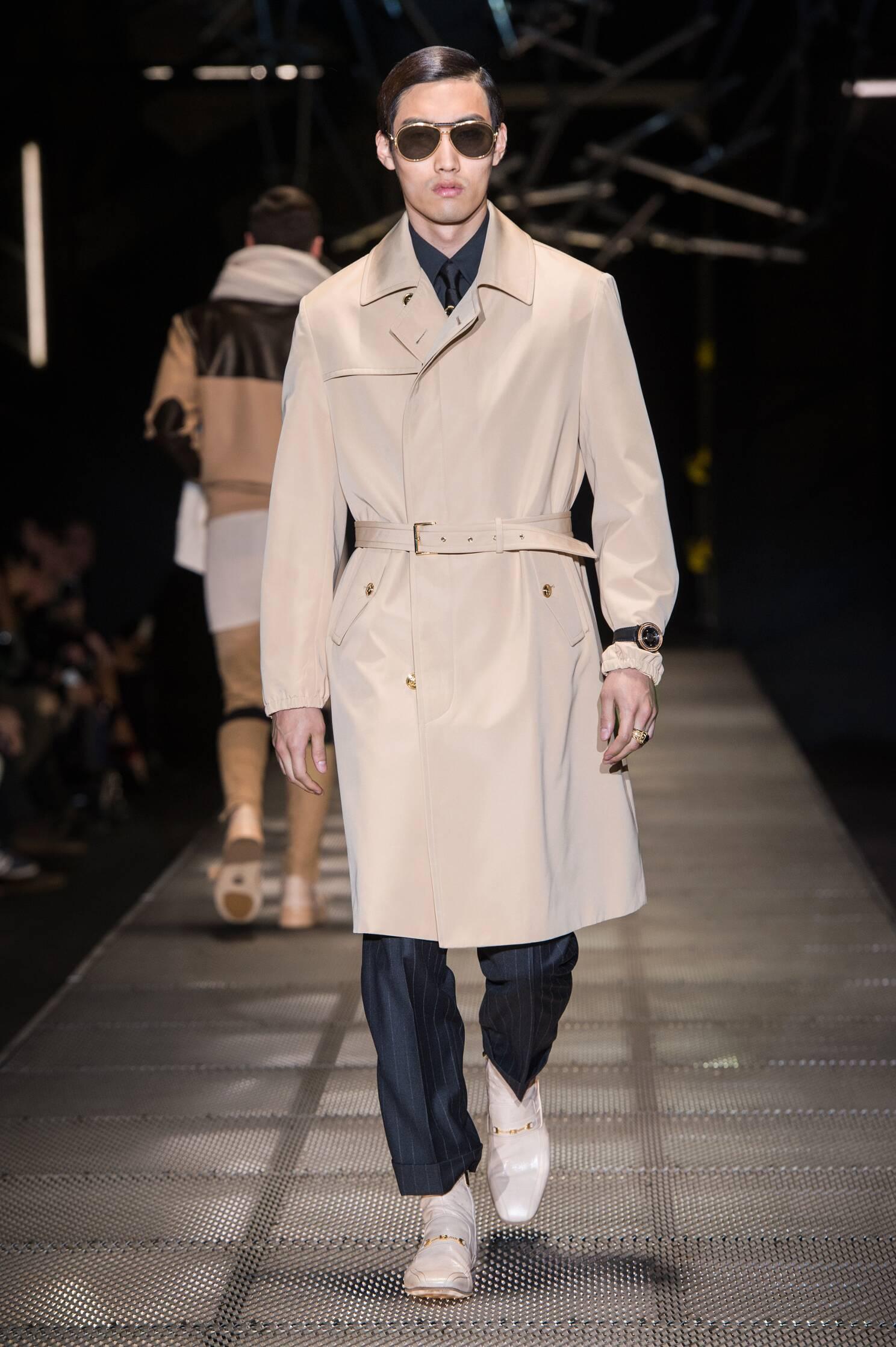 Versace Winter 2015 Catwalk