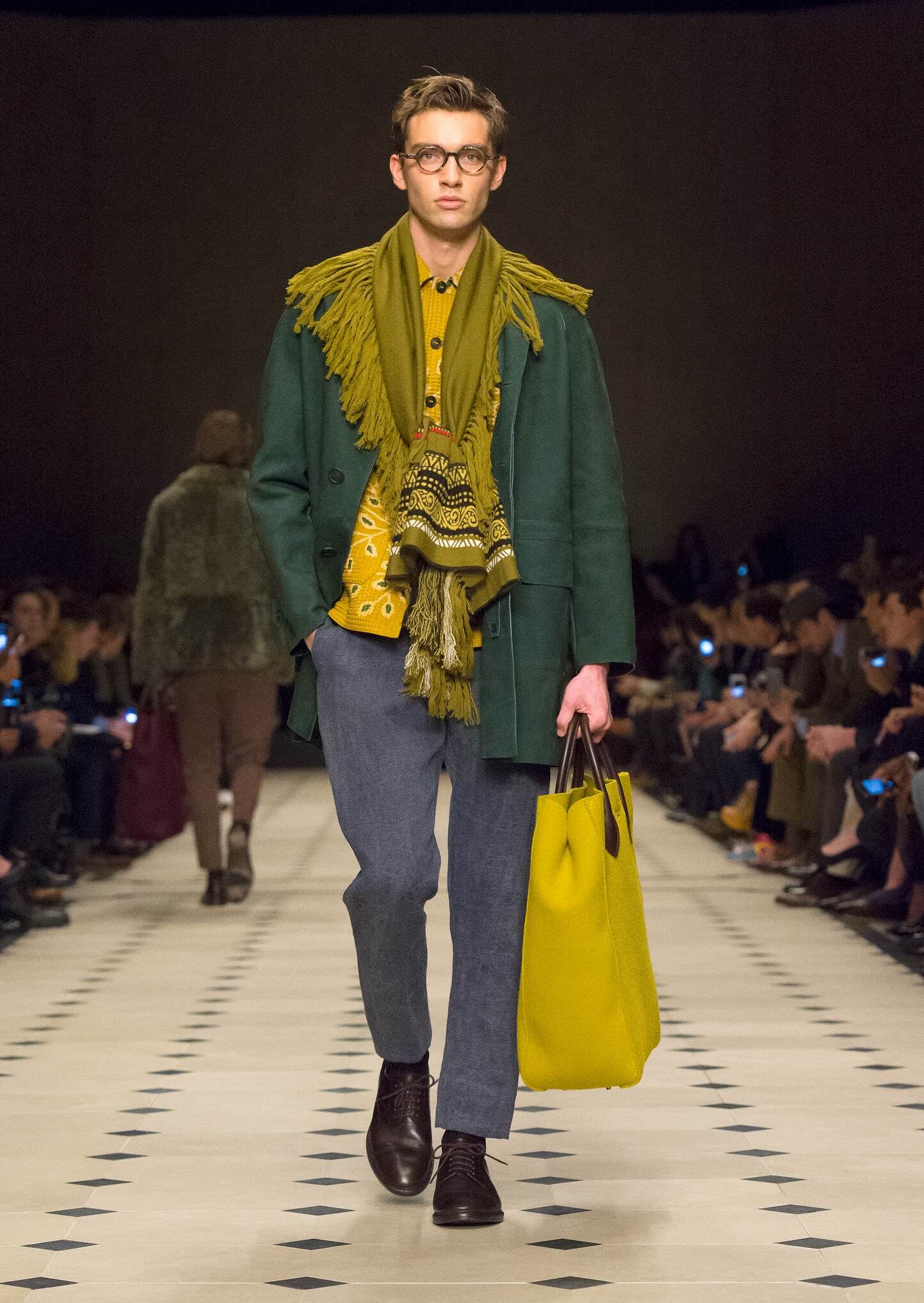 Winter 2015 Fashion Show Burberry Prorsum
