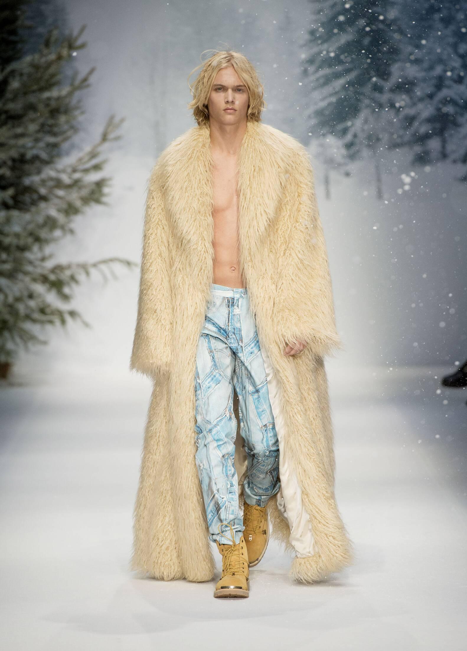 Winter 2015 Fashion Trends Moschino