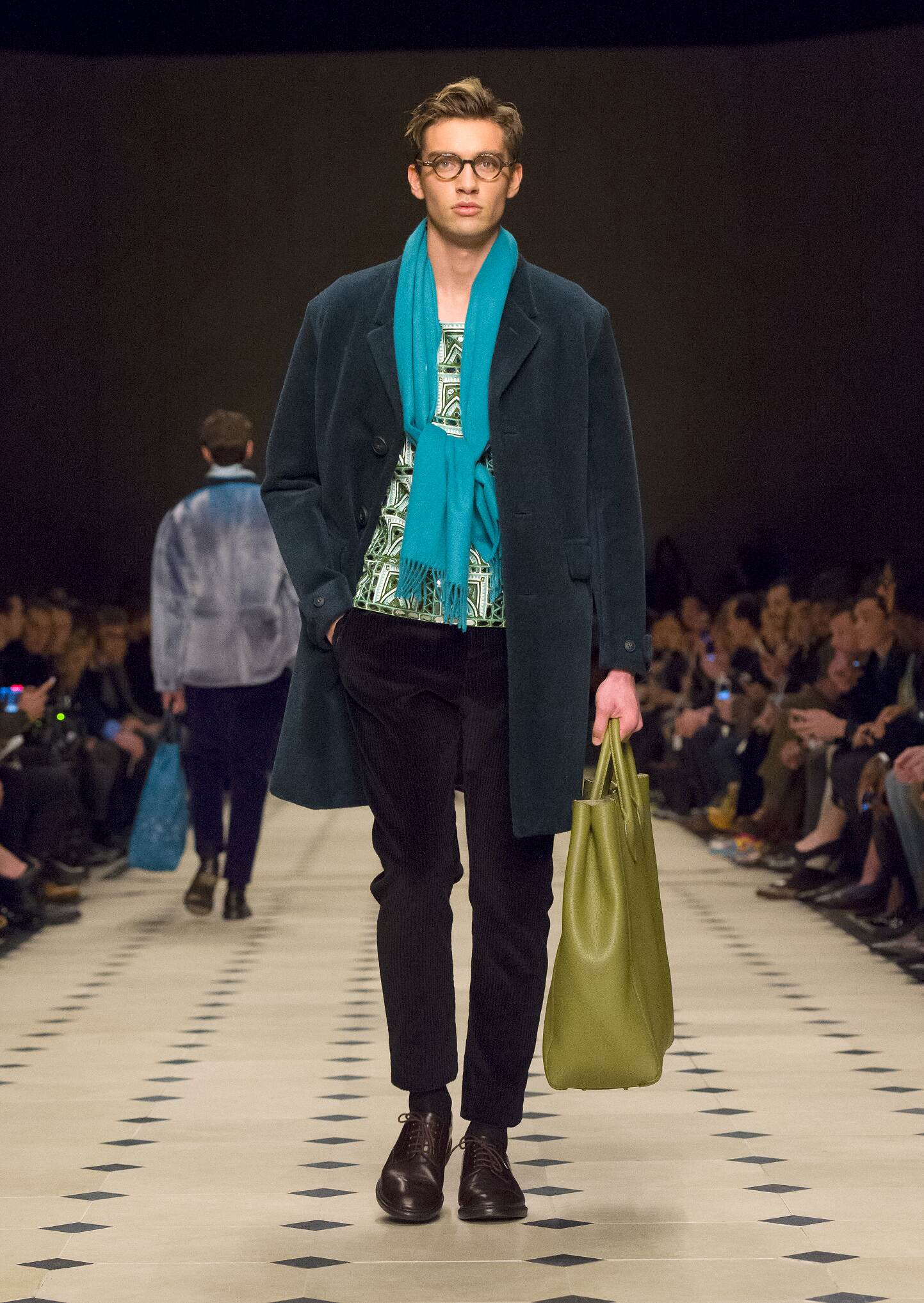 Winter 2016 Fashion Show Burberry Prorsum