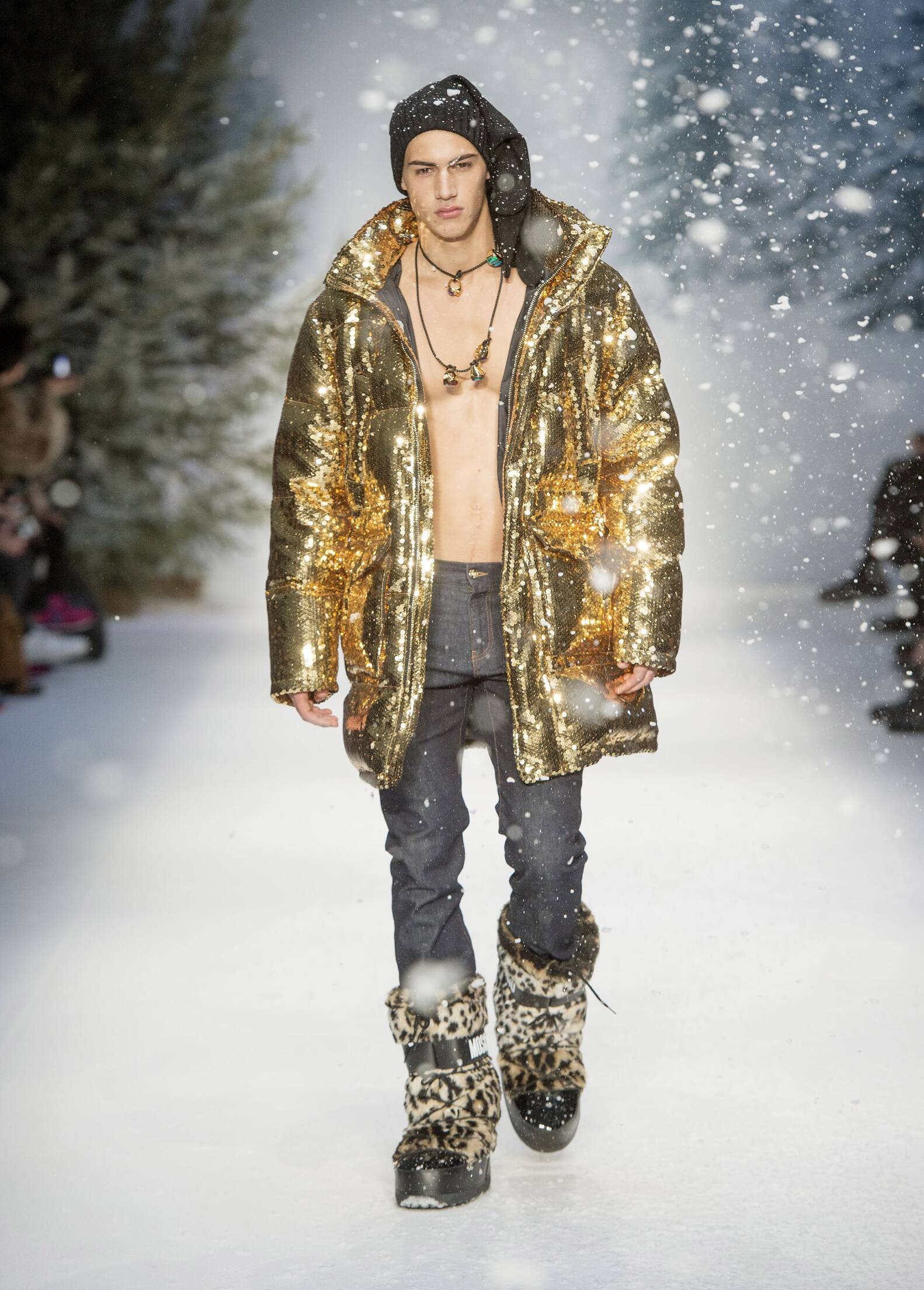 Winter Catwalk Moschino 2015 2016