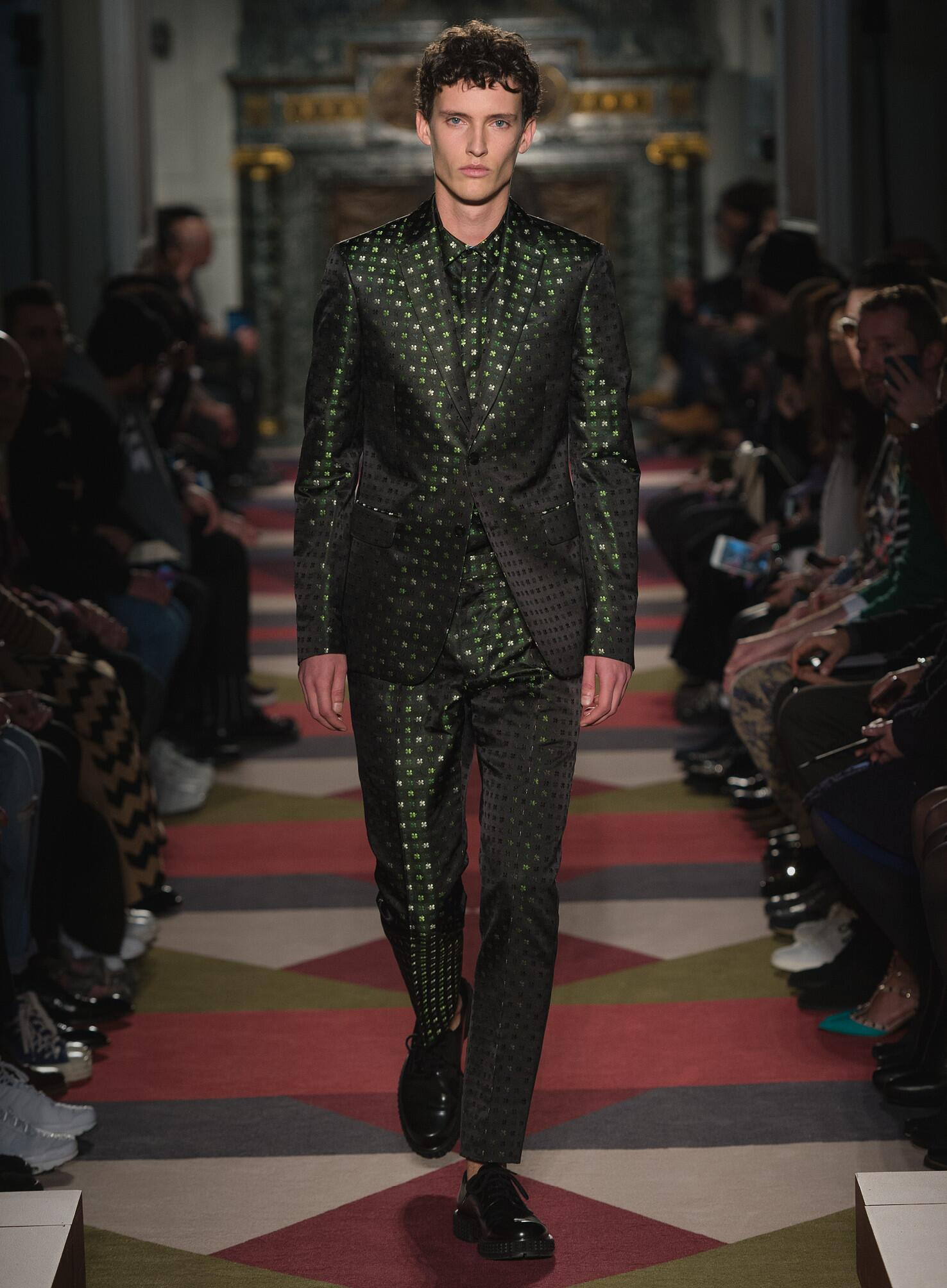2015 16 Catwalk Valentino Fall Winter Men's Collection Paris Fashion Week