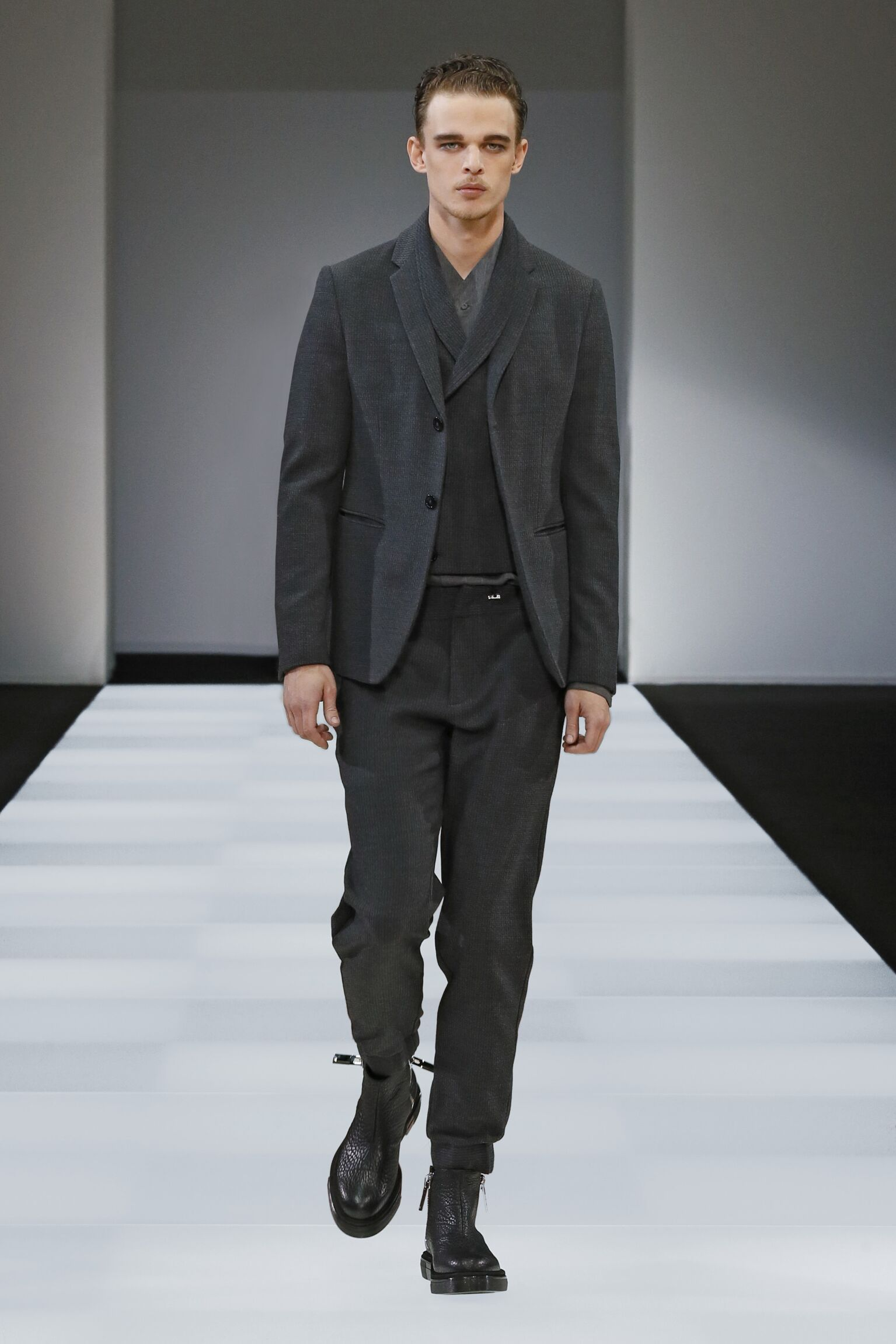 2015 2016 Emporio Armani Collection Winter Catwalk