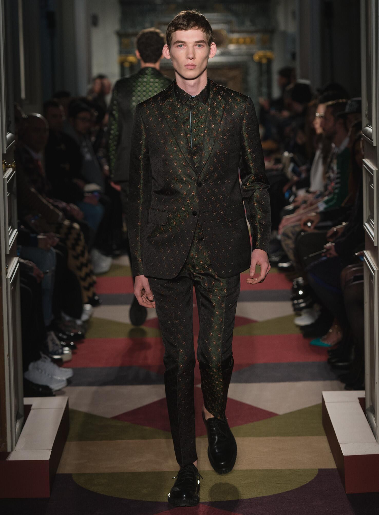 2015 2016 Valentino Collection Fashion Show FW