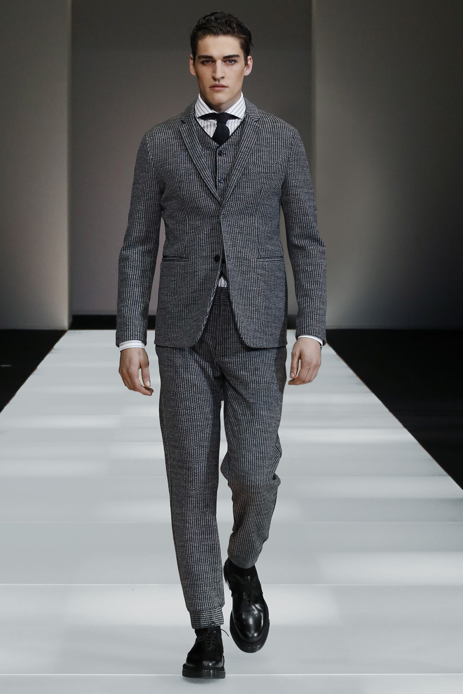 2015 2016 Winter Fashion Trends Emporio Armani Collection