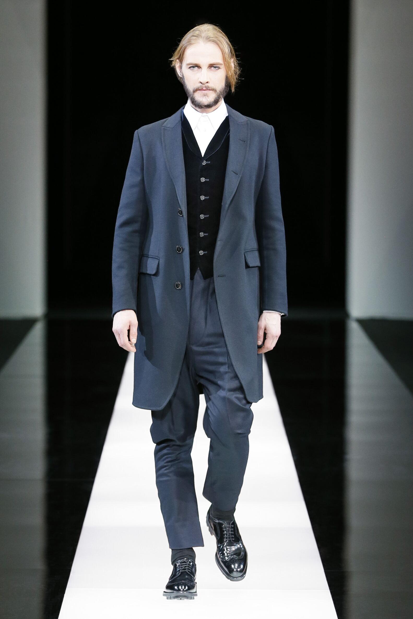 2015 Catwalk Giorgio Armani Collection Fashion Show Winter