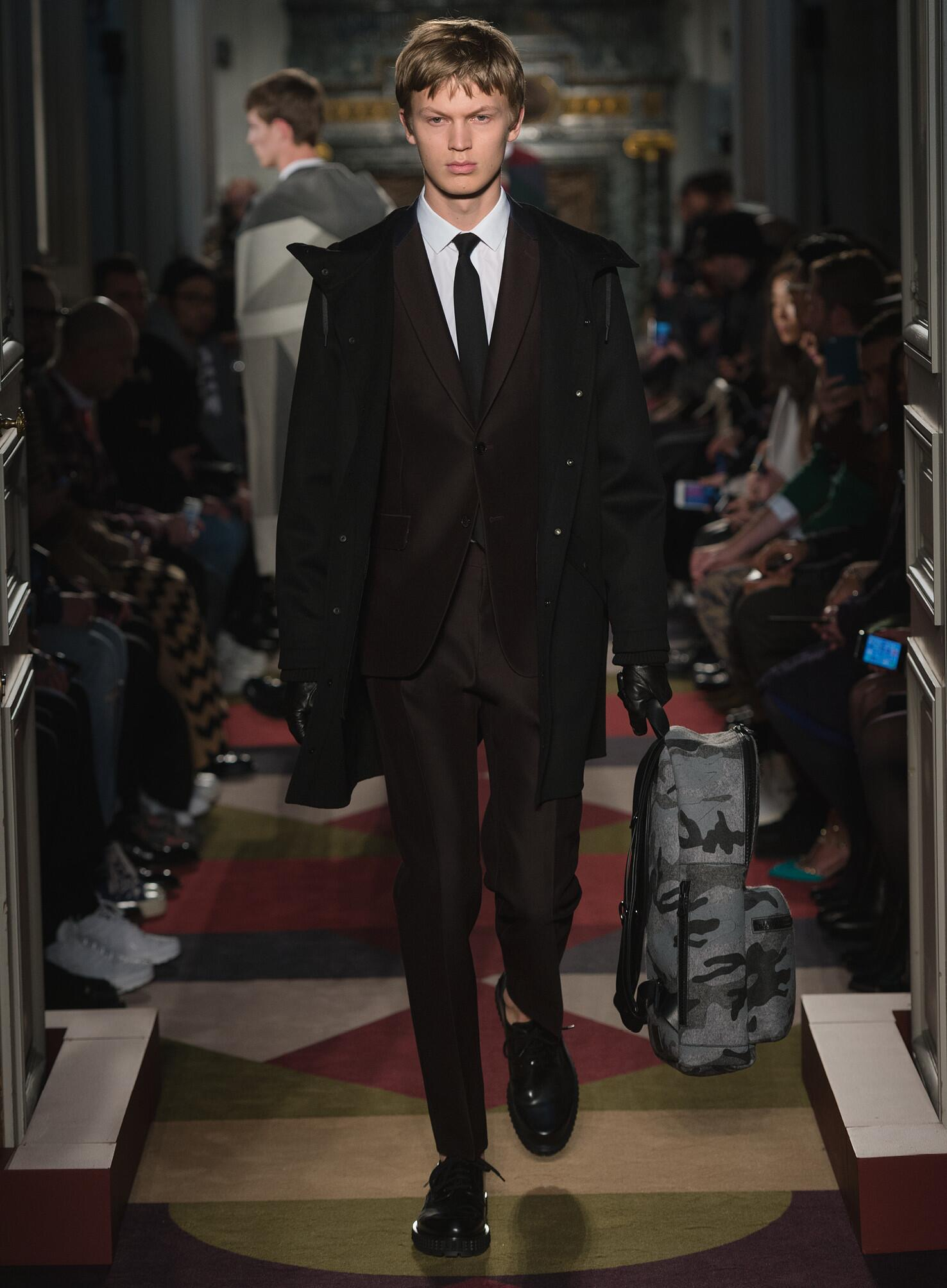 2016 Fall Fashion Man Valentino Collection