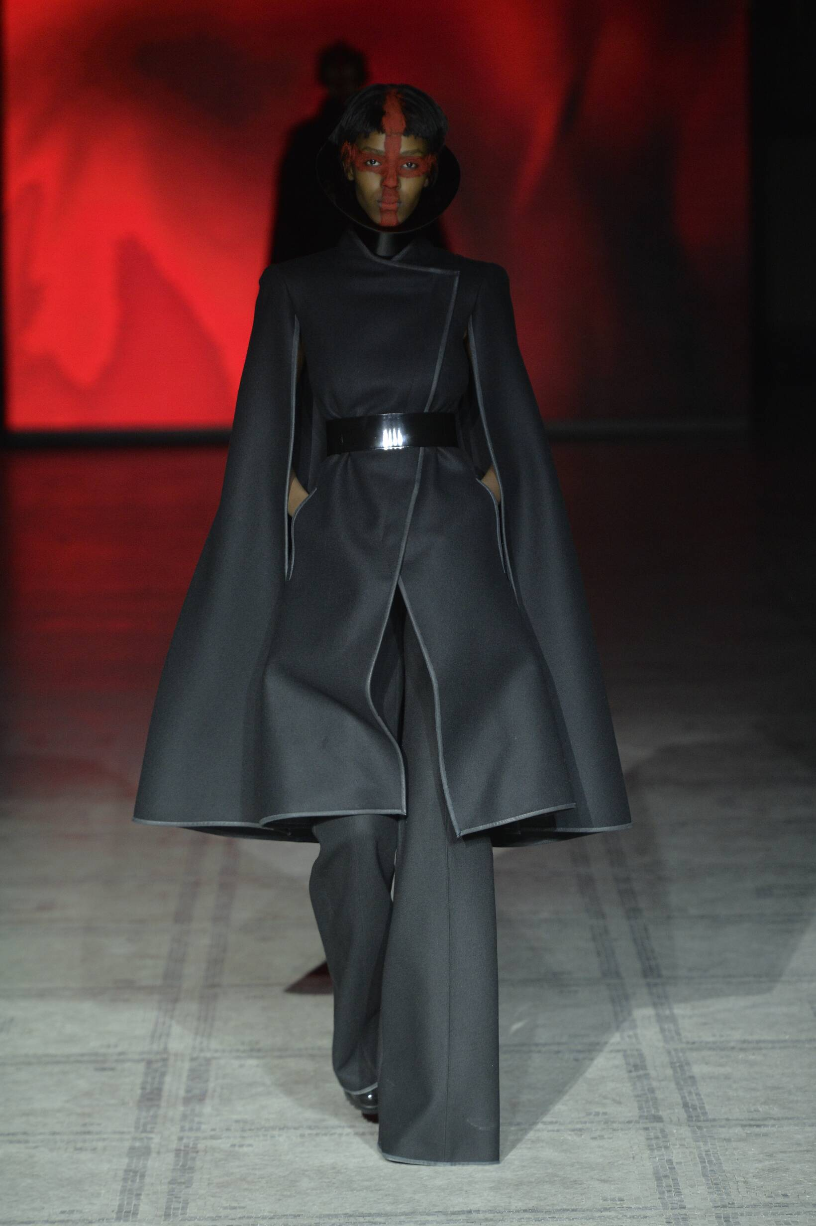 2016 Fall Fashion Woman Gareth Pugh Collection