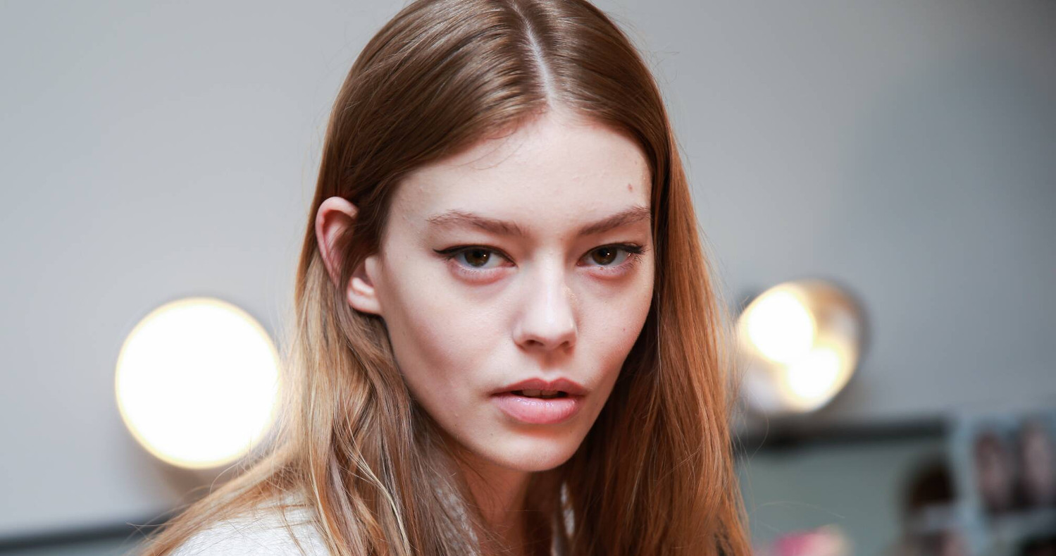 Backstage Calvin Klein Woman Model 2015