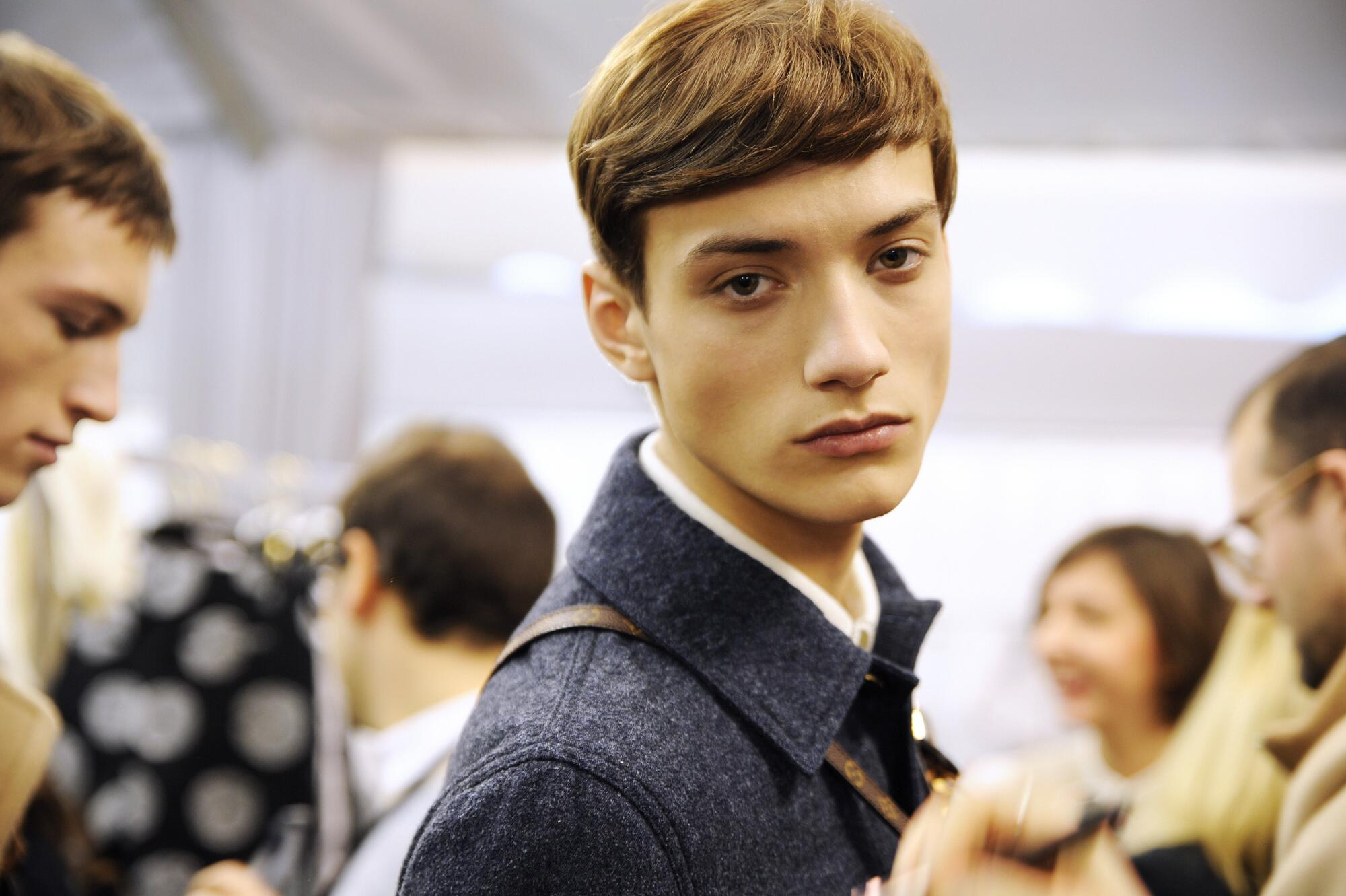 Backstage Man Model Louis Vuitton Winter 2015 Paris