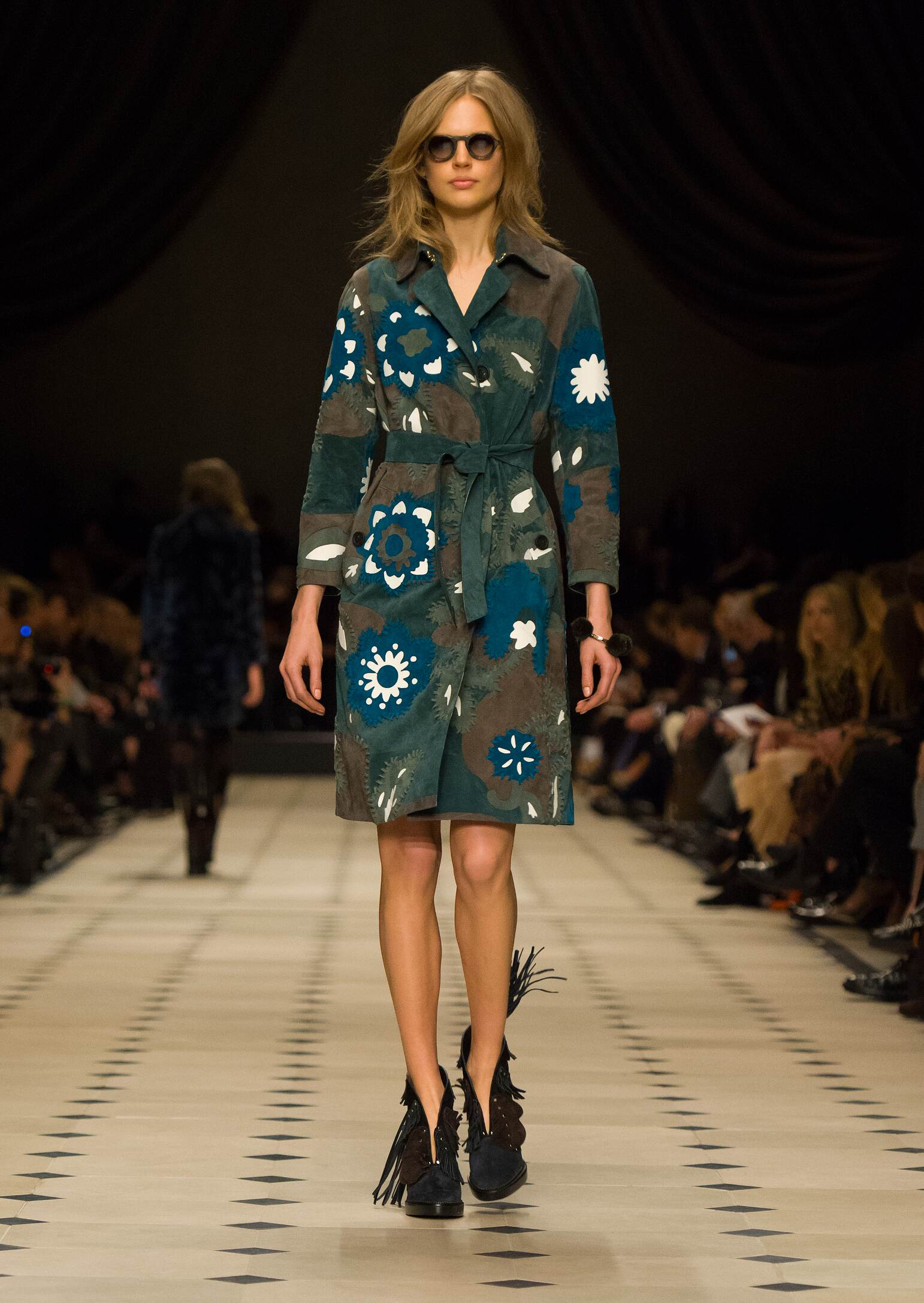 Burberry Prorsum Collection Fall 2015 Catwalk