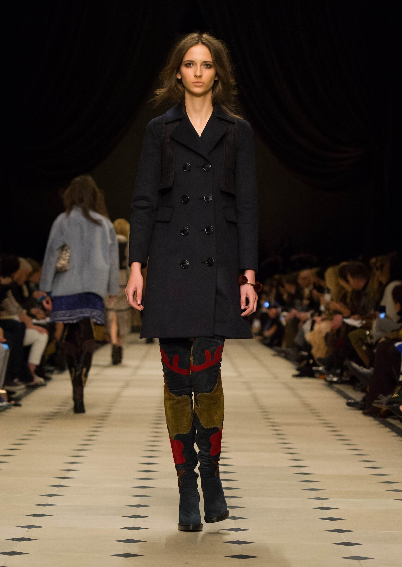 Burberry Prorsum Collection Fashion Show FW 2015 2016