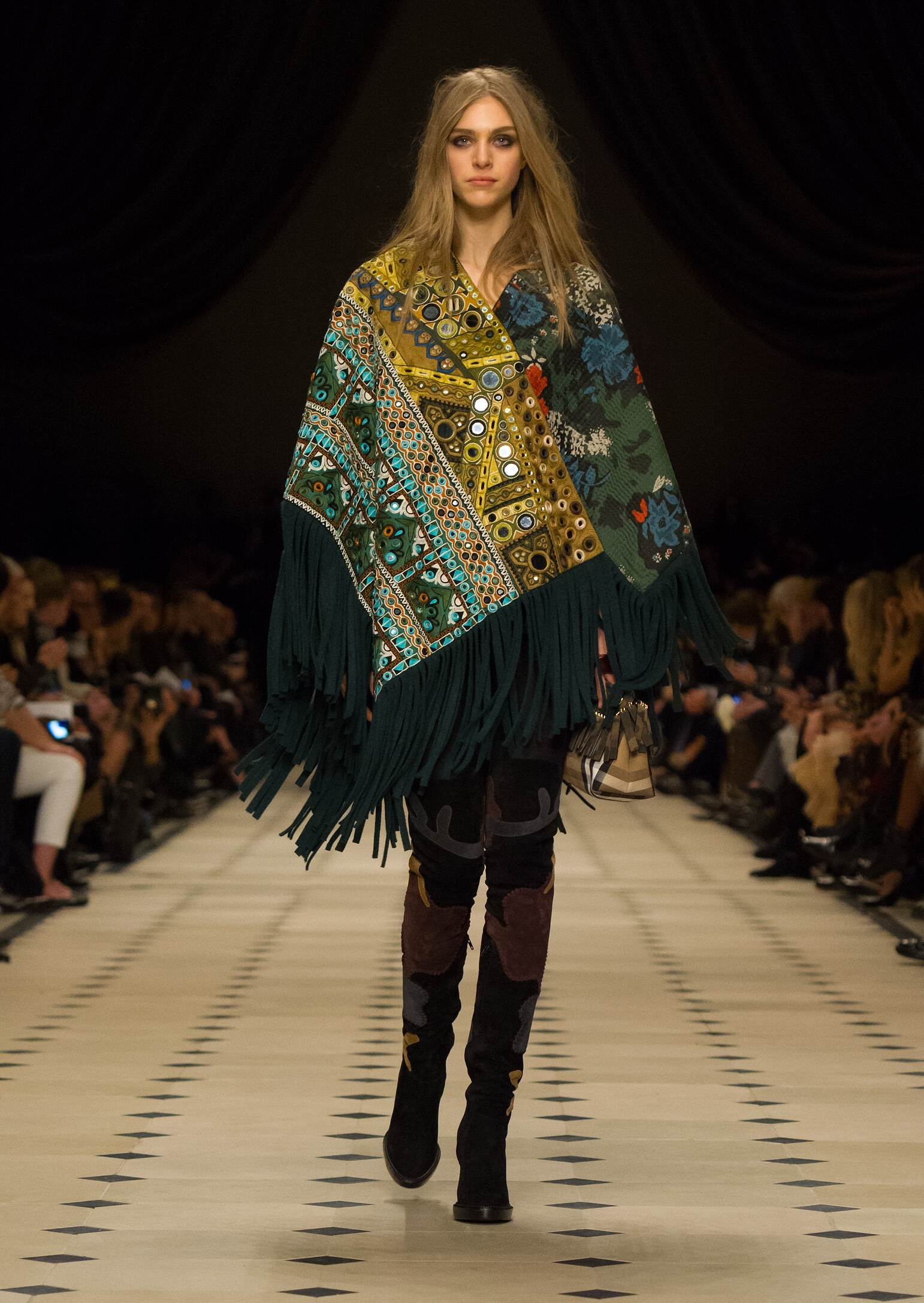 Burberry Prorsum Collection Women's FW 2015 16 Fashion Show