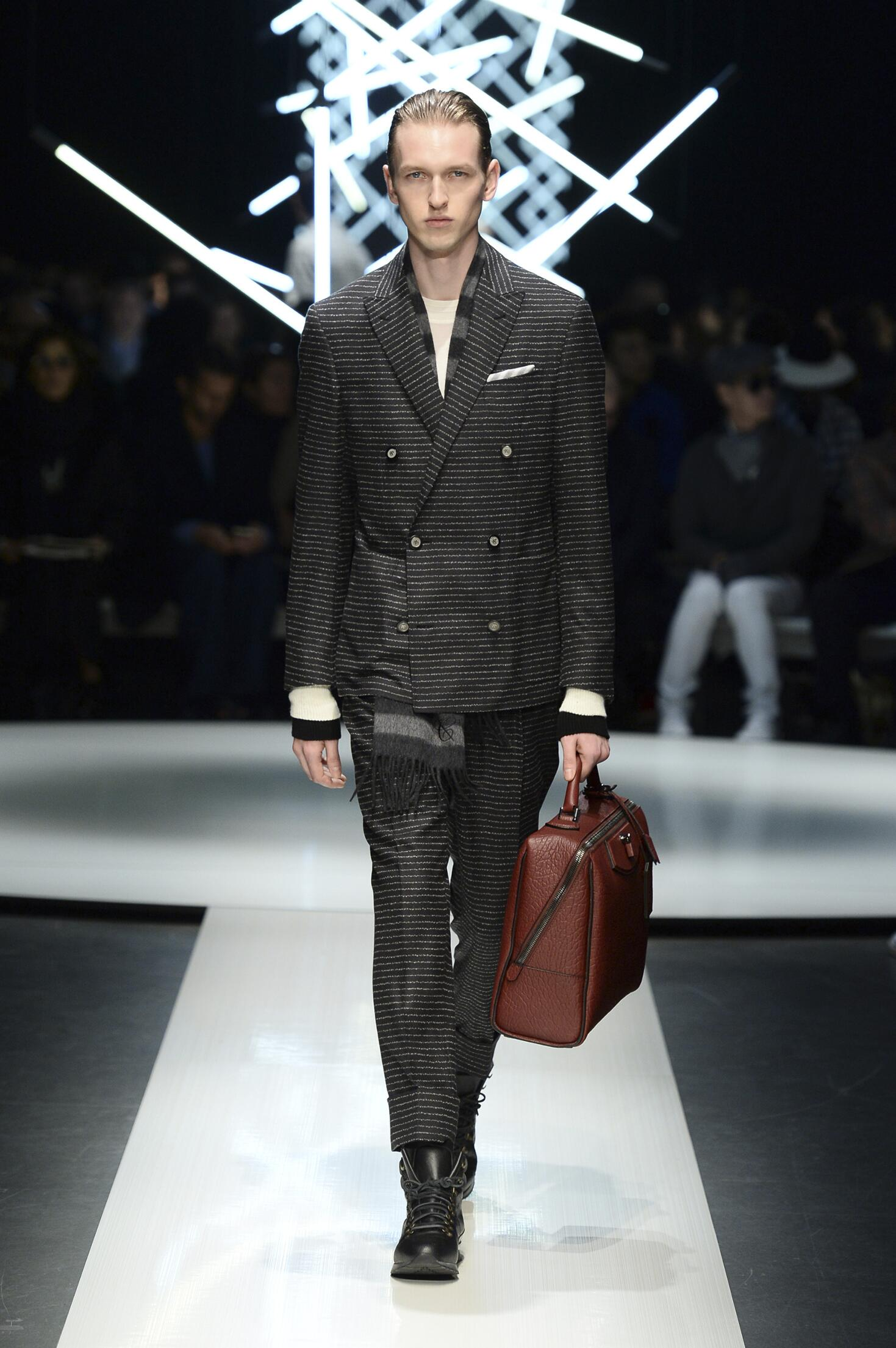 Canali Collection Fall 2015 Catwalk