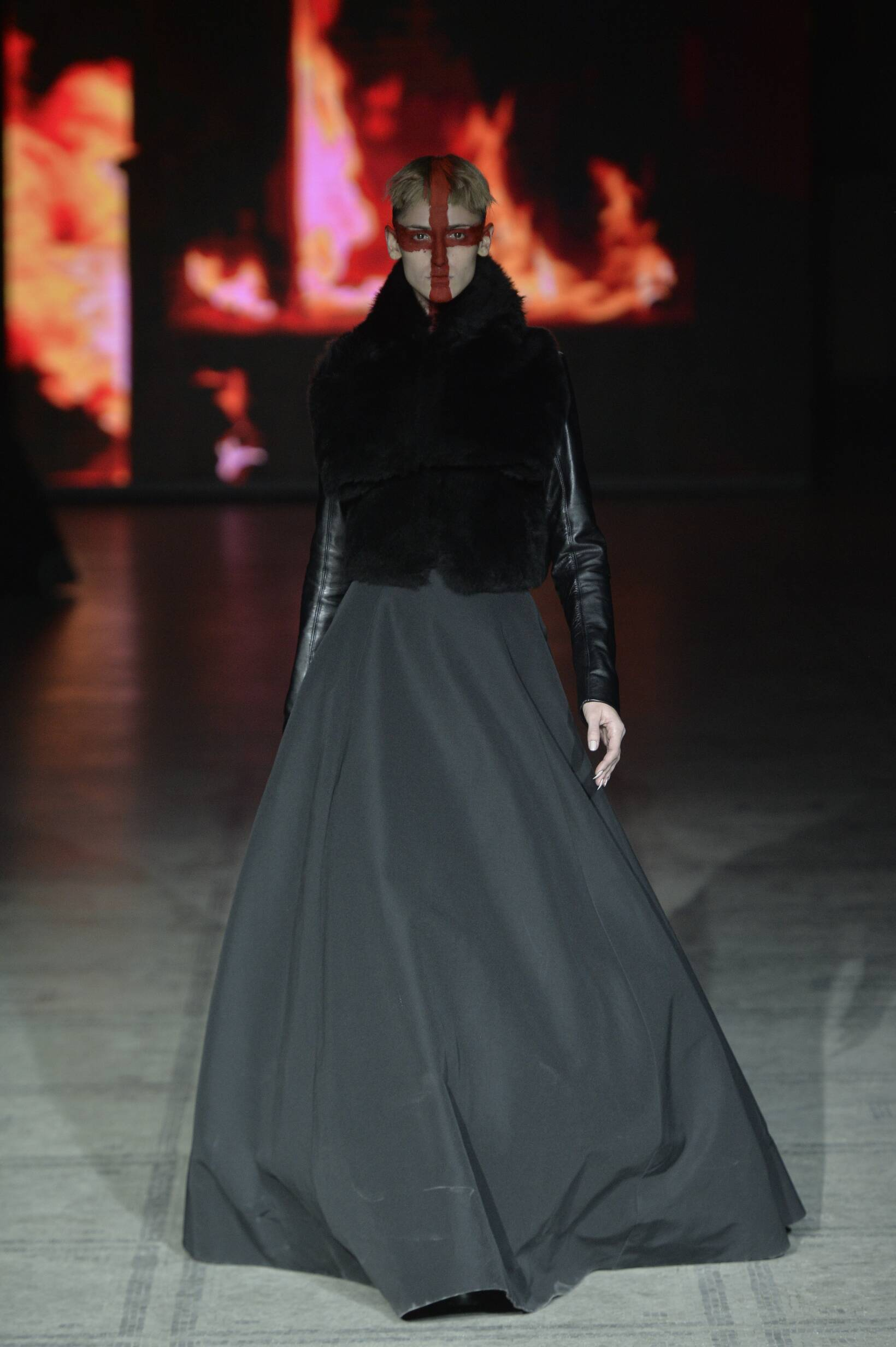 Catwalk Gareth Pugh Womenswear Collection Winter 2015