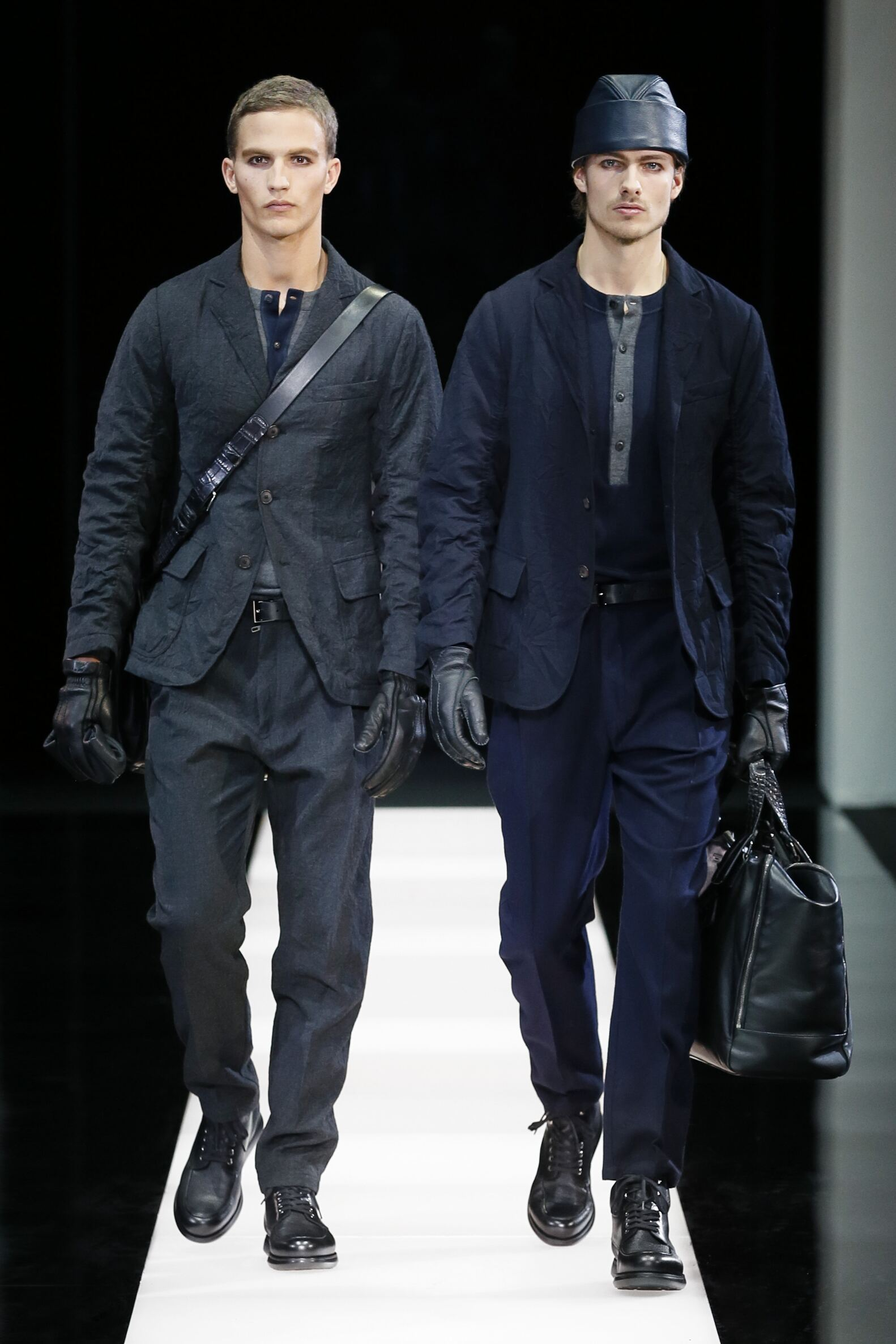 Catwalk Giorgio Armani Fall Winter 2015 16 Men's Collection Milano Fashion Week