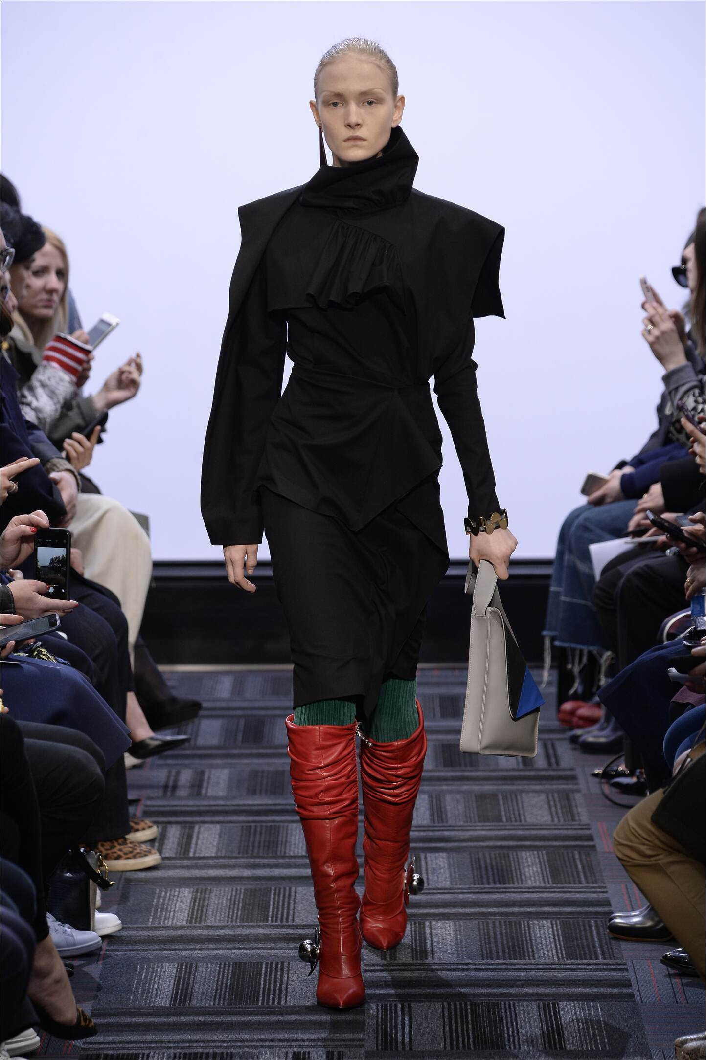 Catwalk J.W. Anderson Womenswear Collection Winter 2015