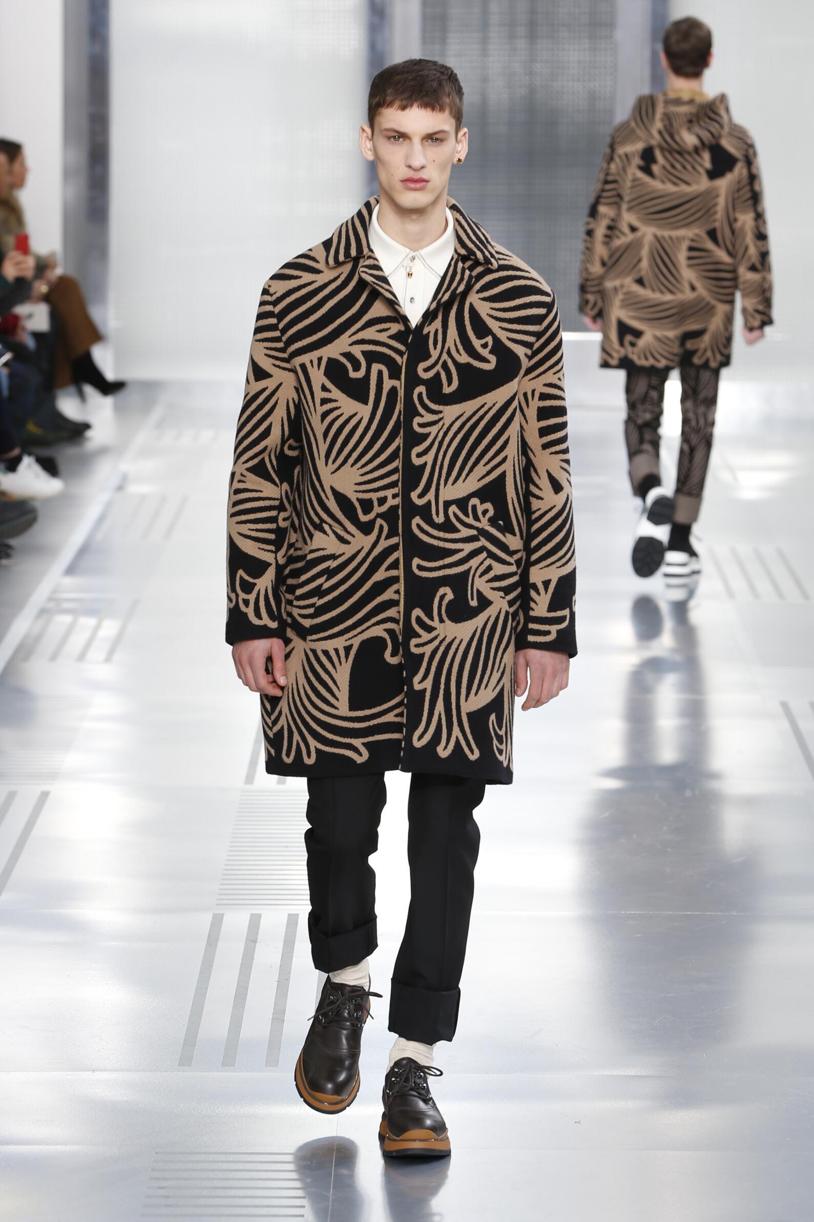 Catwalk Louis Vuitton Fall Winter 2015 16 Men's Collection Paris Fashion Week