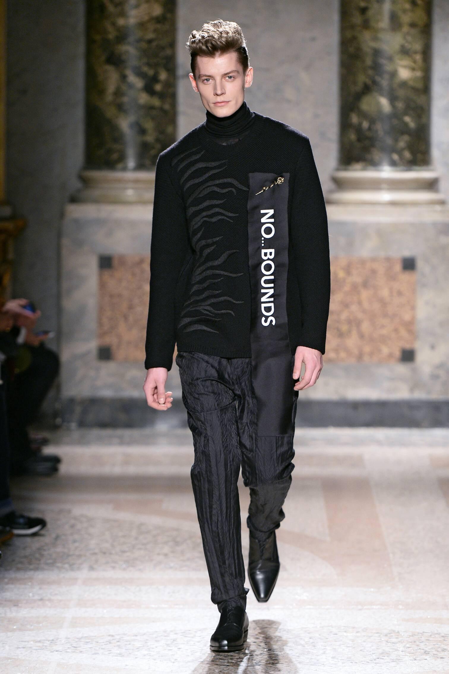 Catwalk Roberto Cavalli Collection Winter 2015