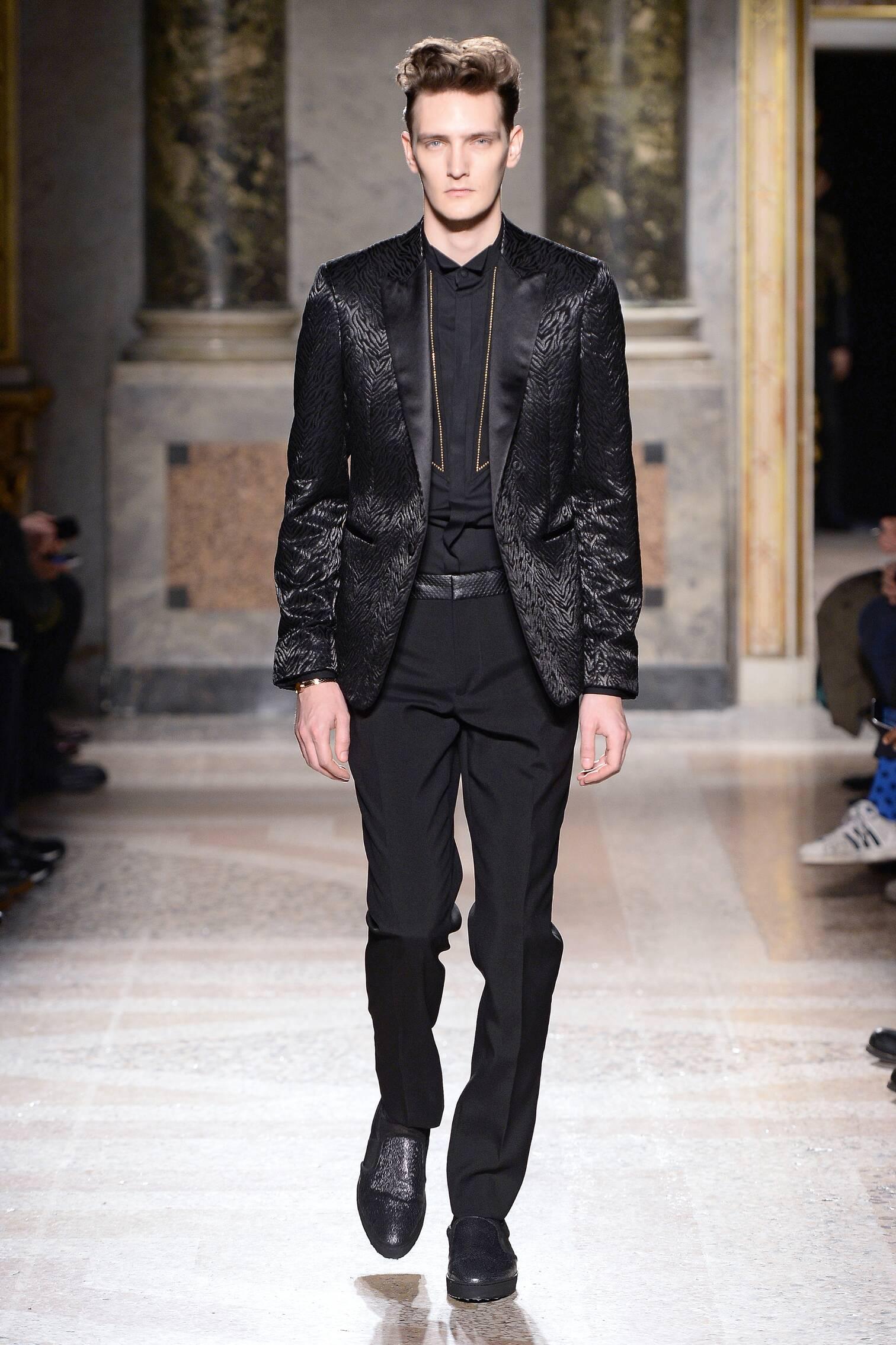 Catwalk Roberto Cavalli Fall Winter 2015 16 Men's Collection Milano Fashion Week