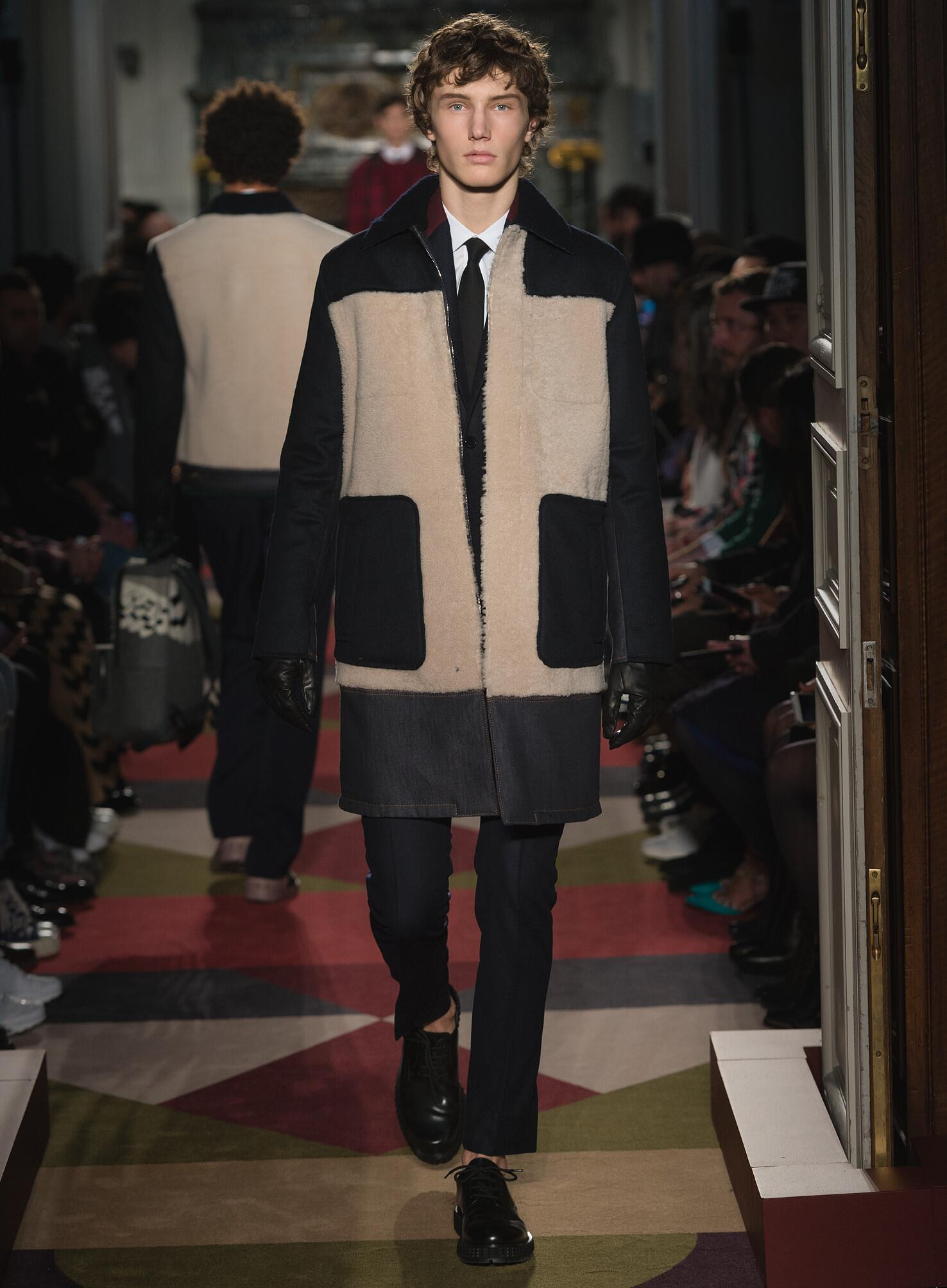 Catwalk Valentino Fall Winter 2015 16 Men's Collection Paris Fashion Week