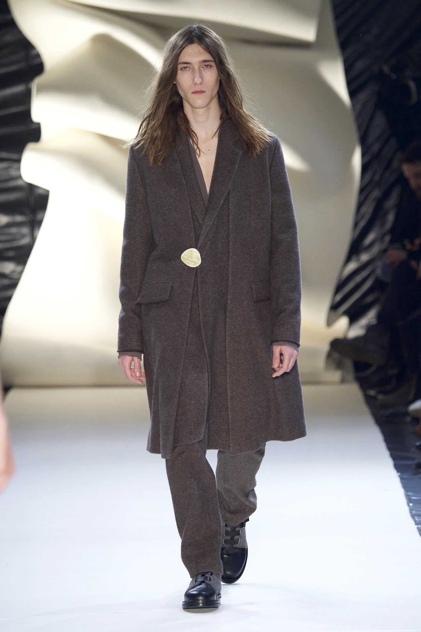 Damir Doma Collection Fall 2015 Catwalk