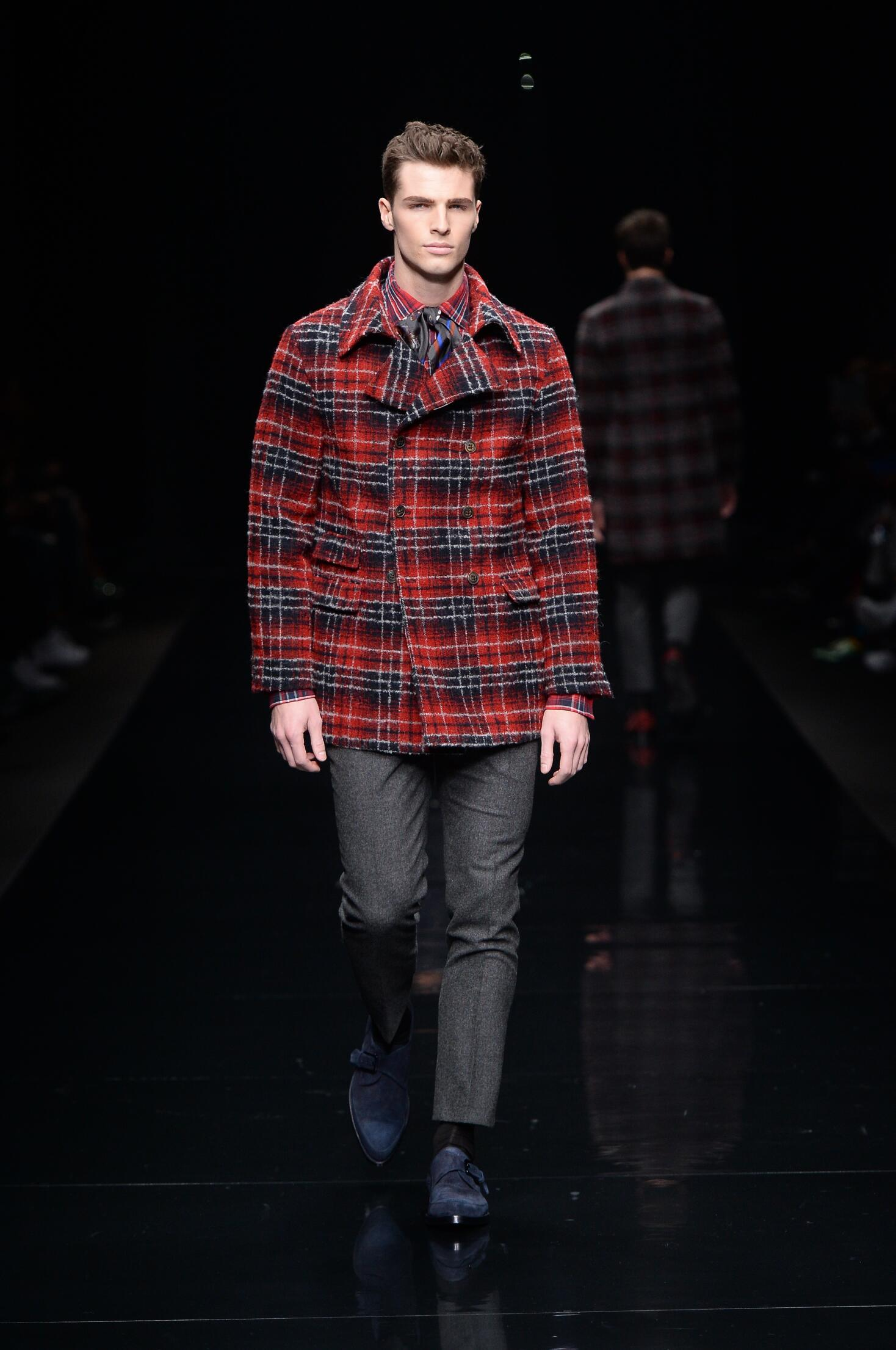 Ermanno Scervino Collection Fall 2015 Catwalk
