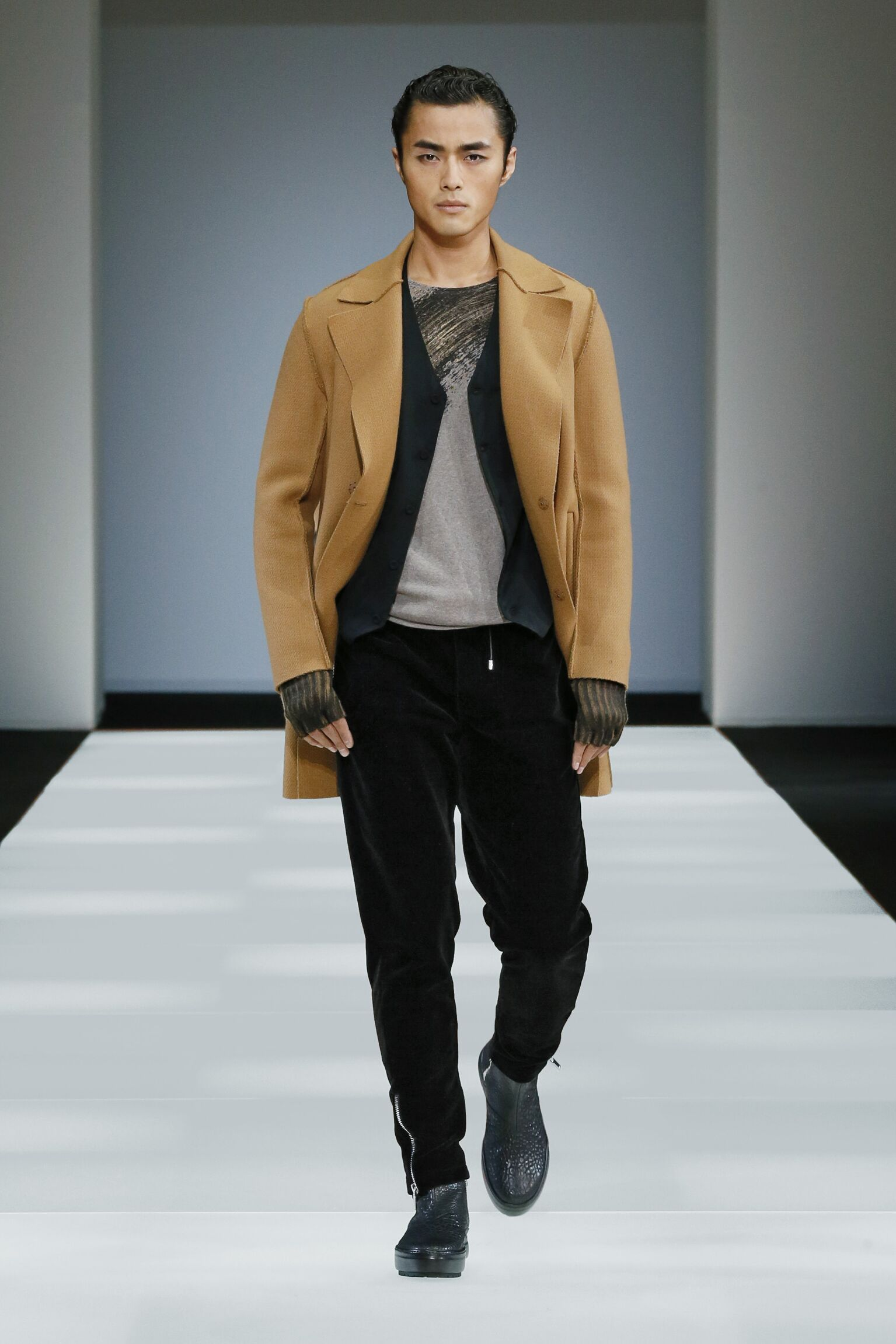 Fall 2015 Men Fashion Show Emporio Armani Collection