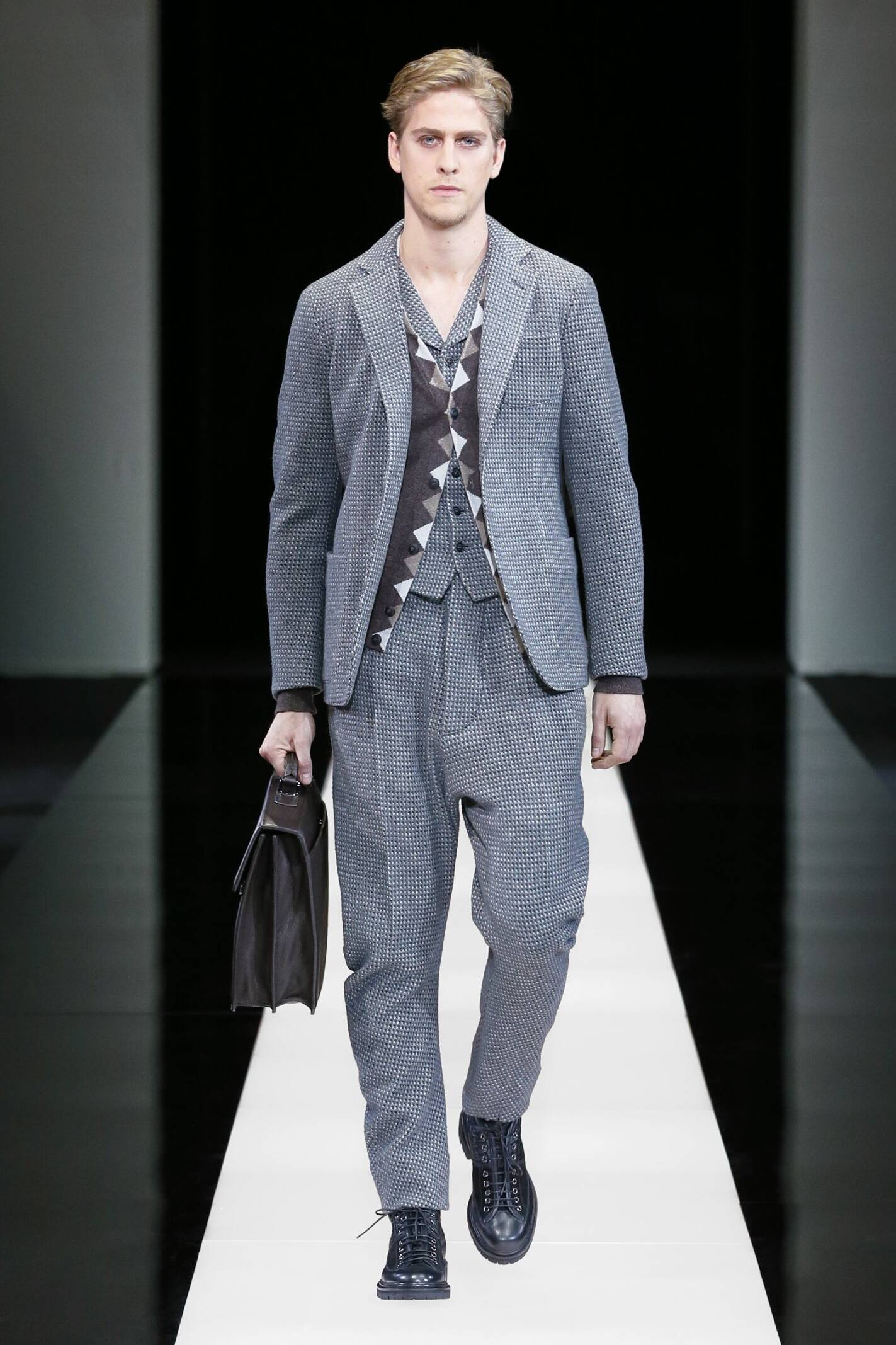 Fall 2015 Men Fashion Show Giorgio Armani Collection