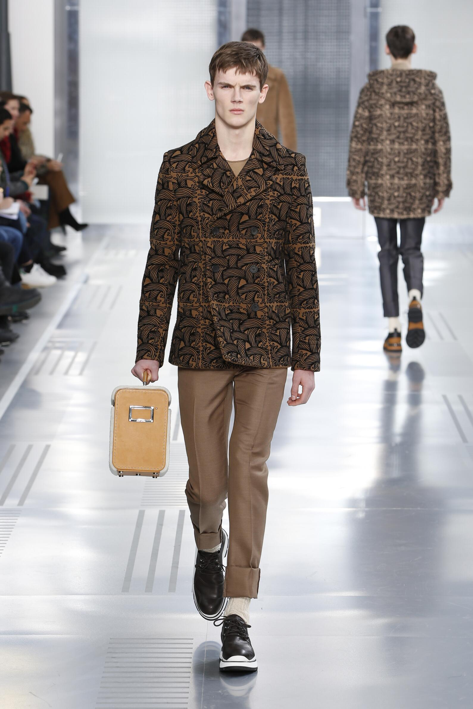 Fall 2015 Men Fashion Show Louis Vuitton Collection