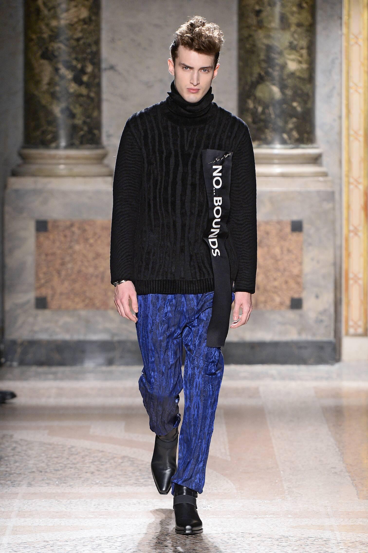 Fall 2015 Men Fashion Show Roberto Cavalli Collection