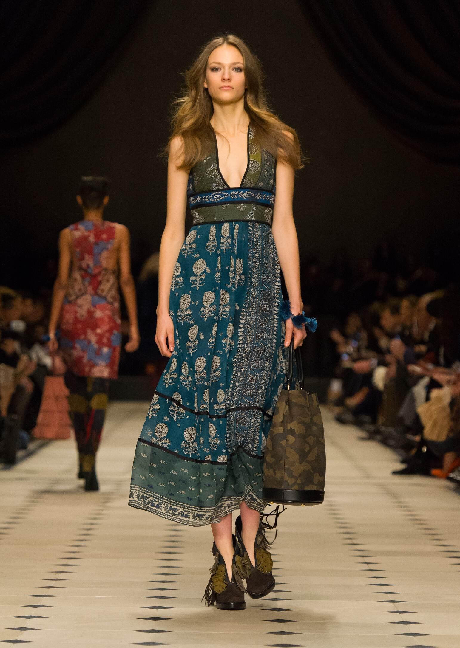 Fall 2015 Women Fashion Show Burberry Prorsum Collection