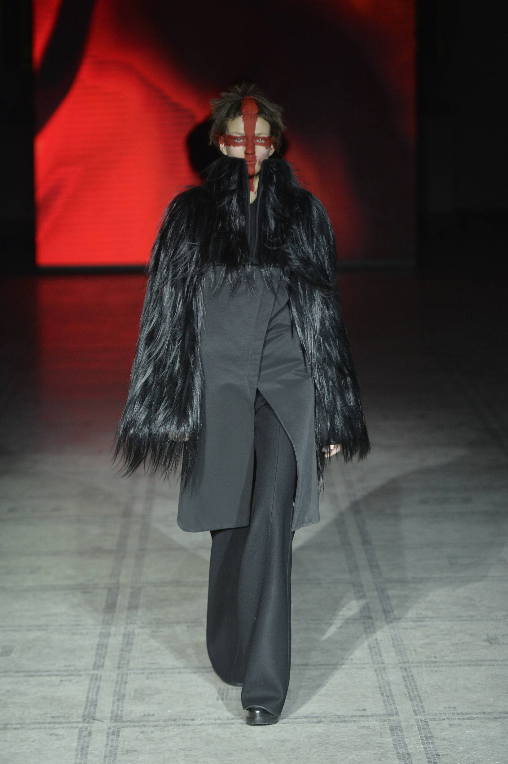 Fall 2015 Women Fashion Show Gareth Pugh Collection